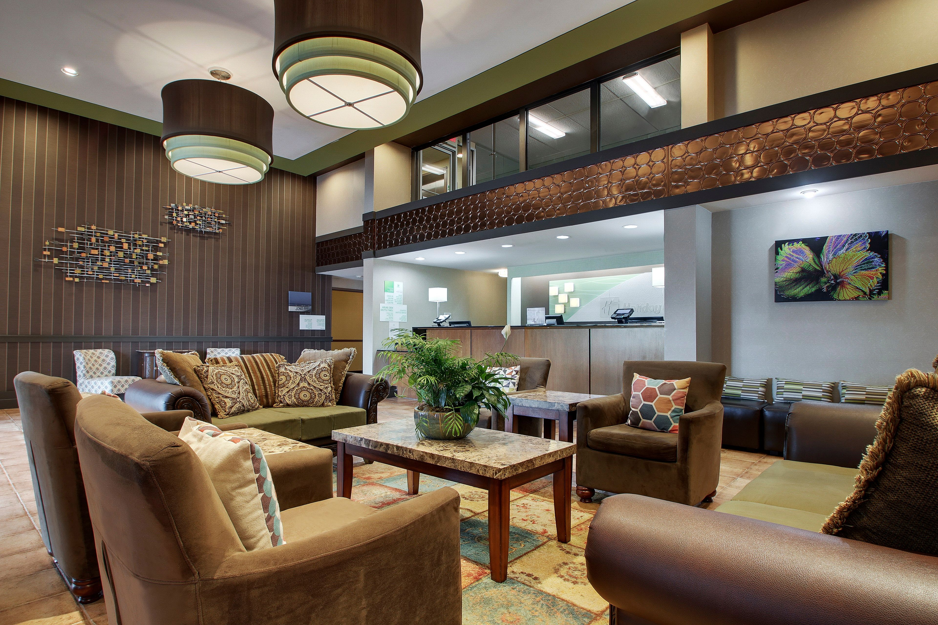 Holiday Inn Westbury-Long Island image 4
