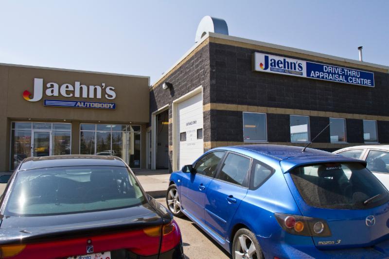 Jaehn 39 S Autobody Shop Ltd Edmonton Ab Ourbis