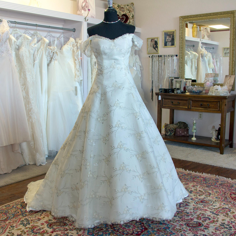 MerryRose Bridal and Alteration