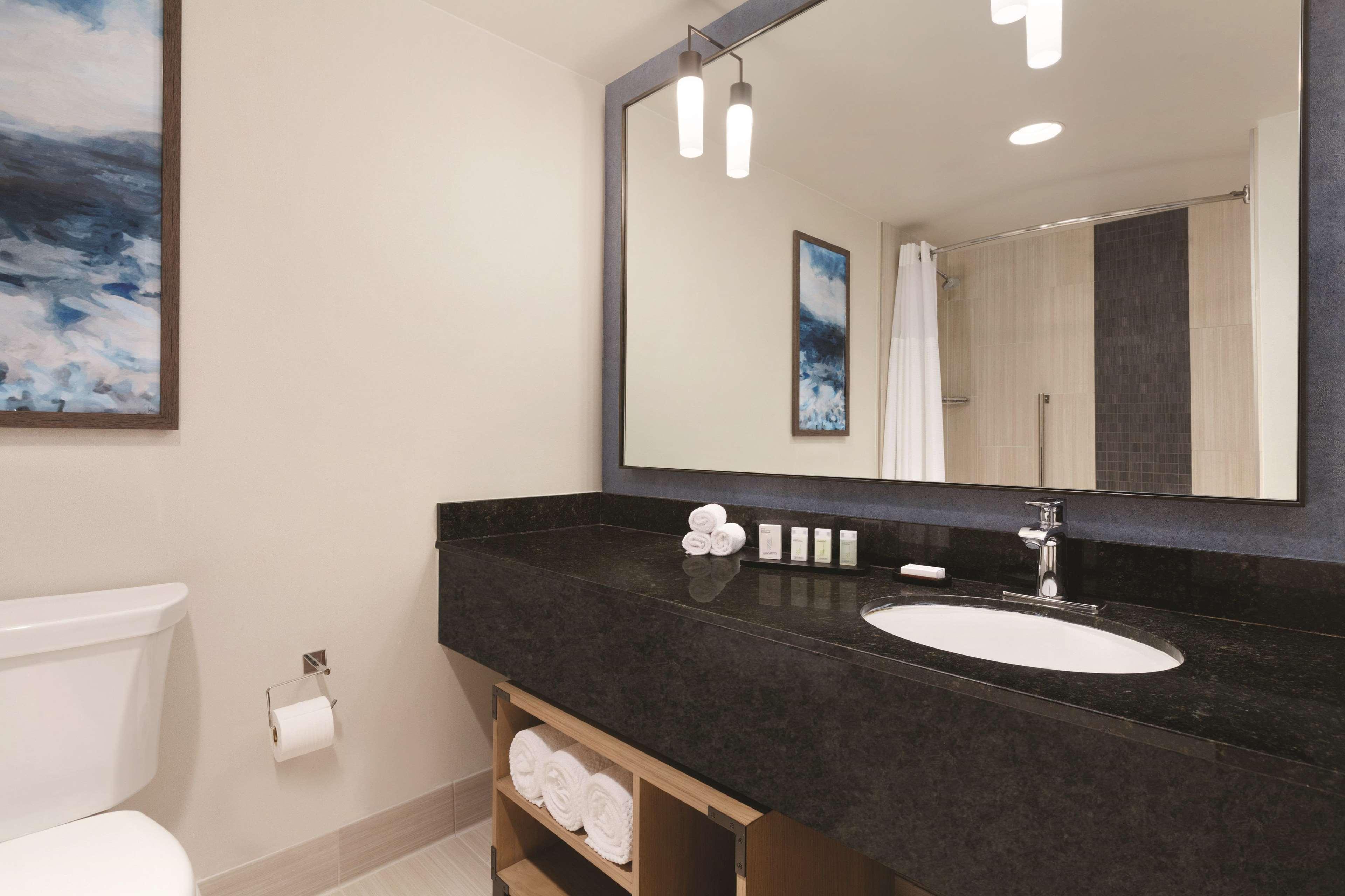 Embassy Suites by Hilton Monterey Bay Seaside in Seaside, CA, photo #37
