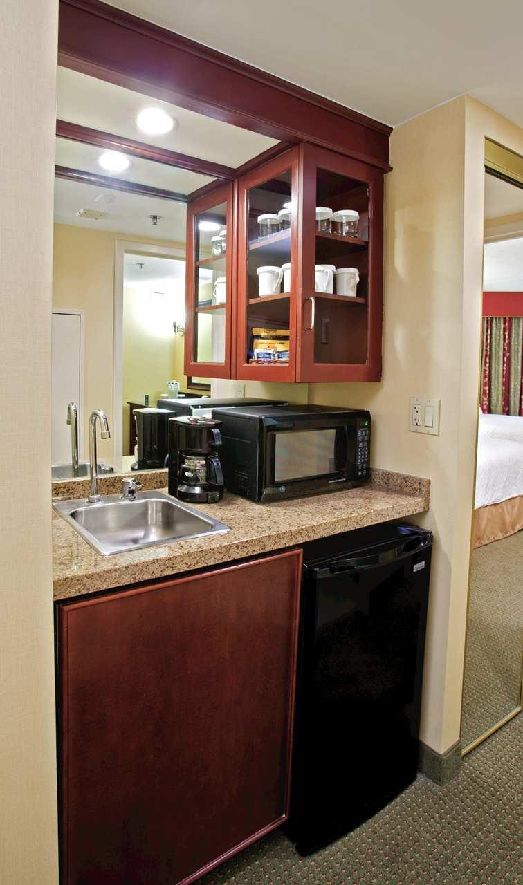 Embassy Suites by Hilton Detroit Troy Auburn Hills image 30