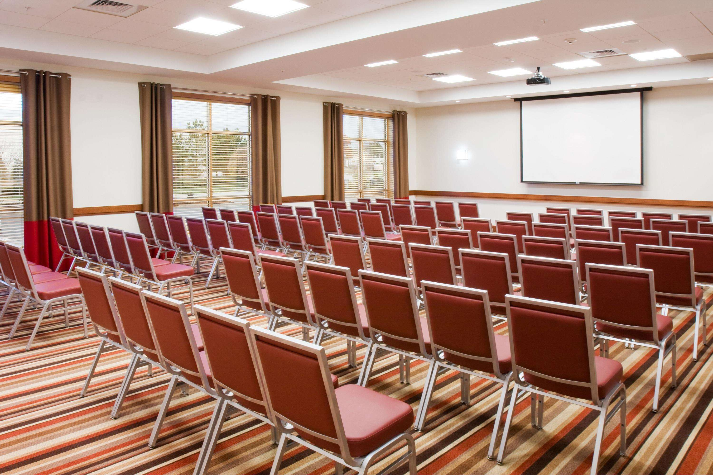 DoubleTree by Hilton Hotel Raleigh - Cary image 15