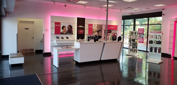 T Mobile Store At 5650 Roswell Rd Atlanta Ga T Mobile