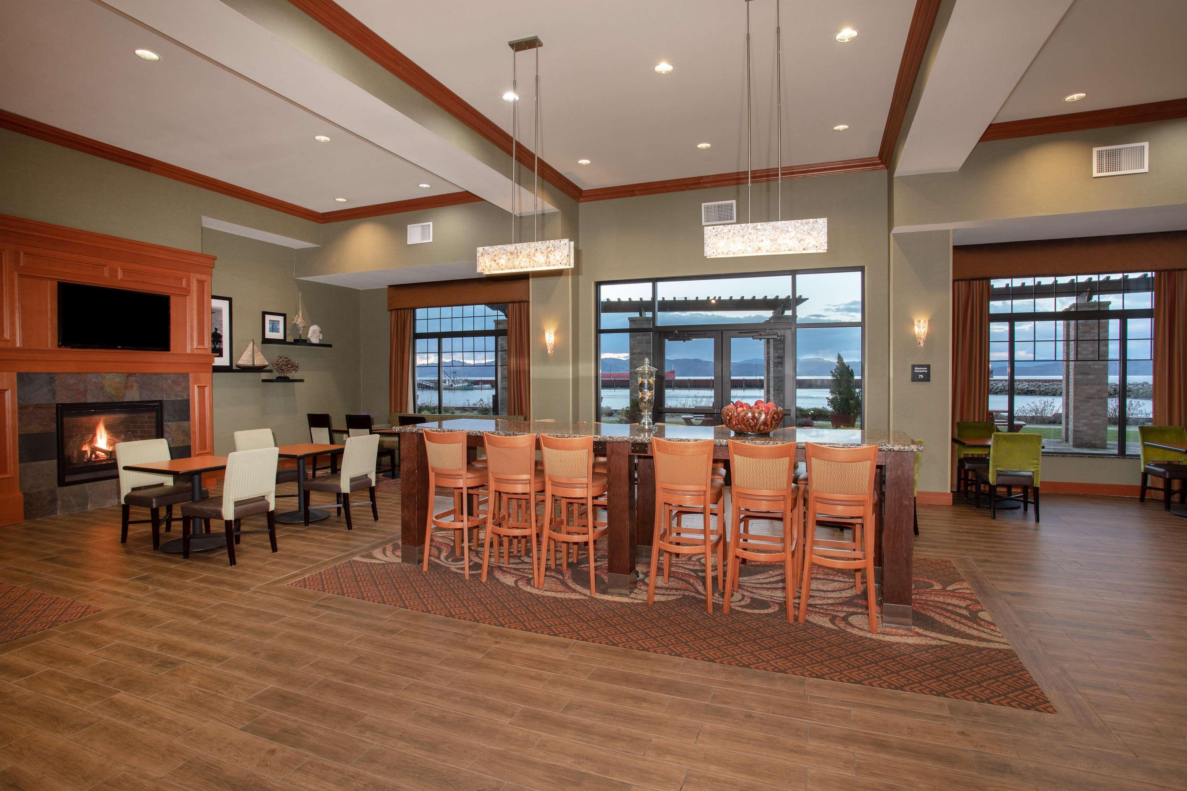 Hampton Inn & Suites Astoria image 9