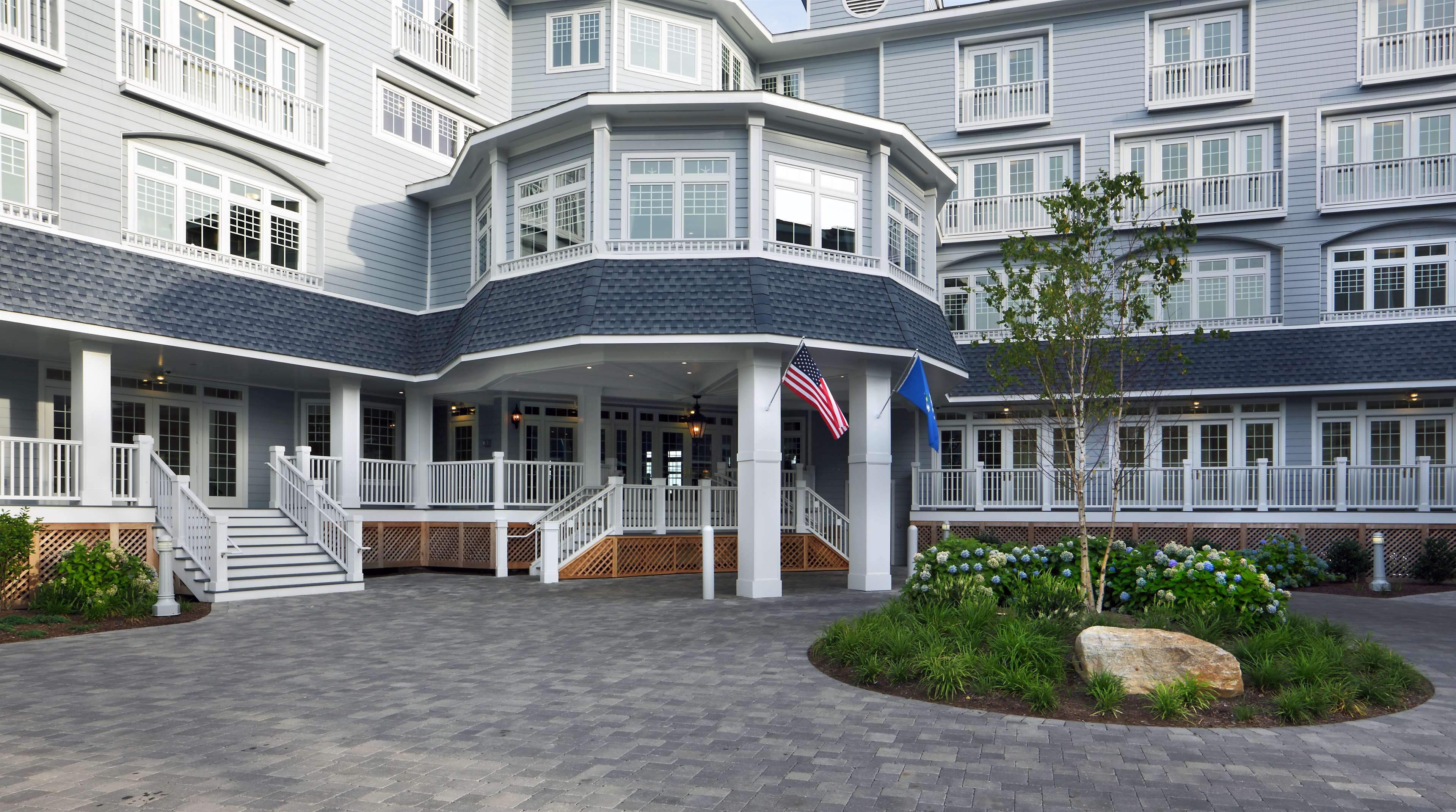 Madison Beach Hotel, Curio Collection by Hilton image 3