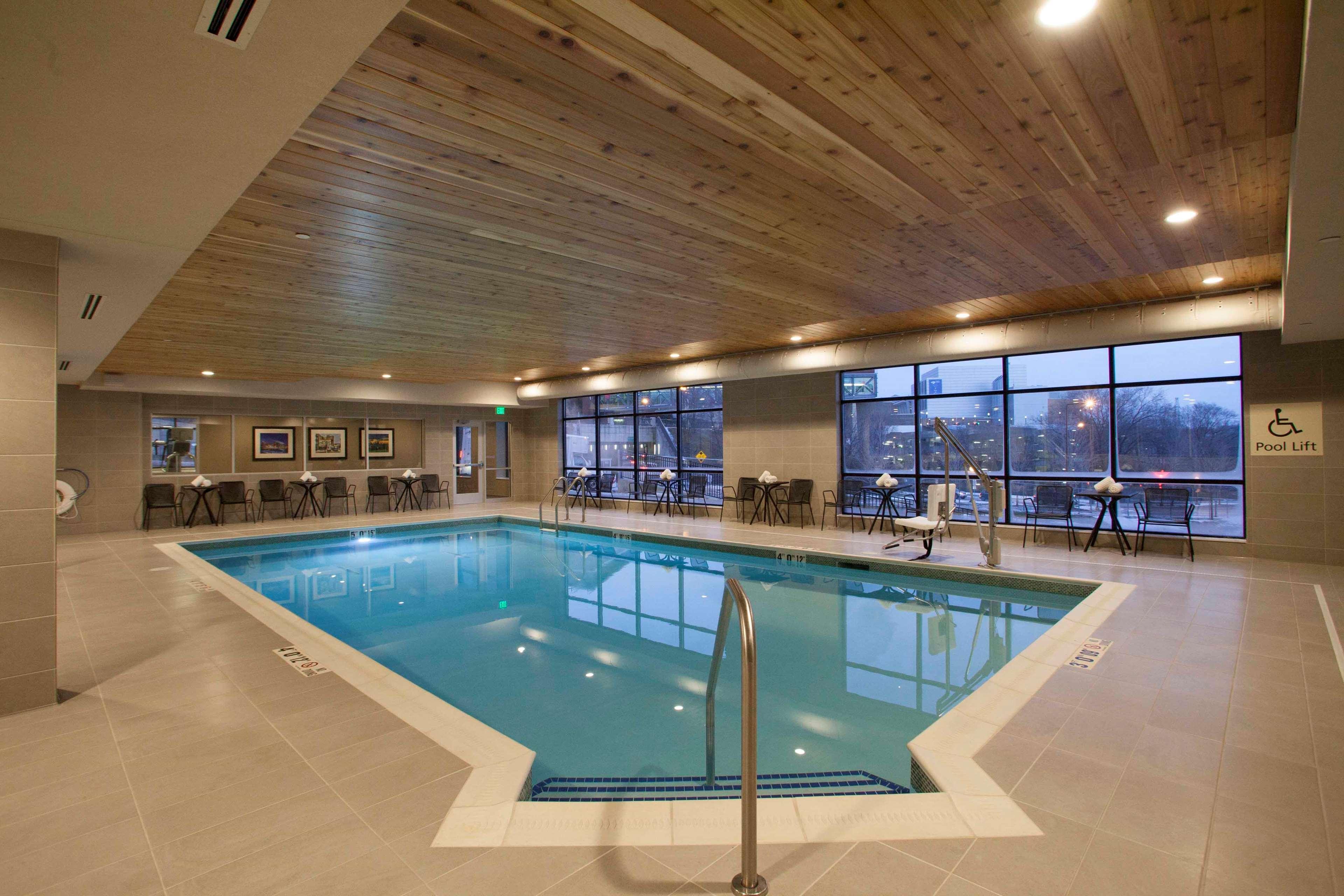 Hampton Inn & Suites Downtown St. Paul image 8