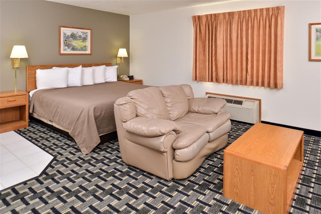 Americas Best Value Inn & Suites Manchester image 6