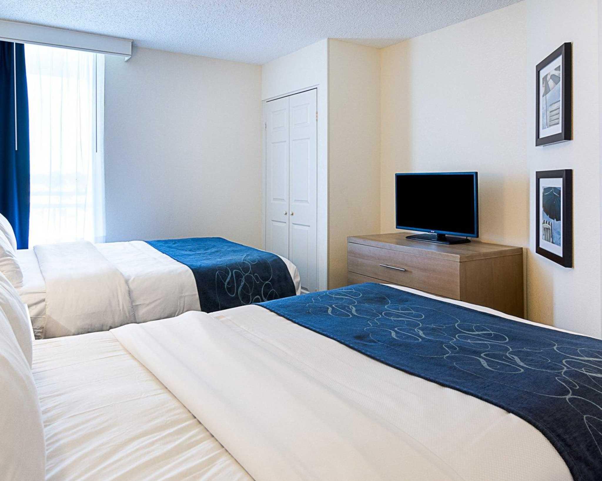 Comfort Suites Beachfront image 20