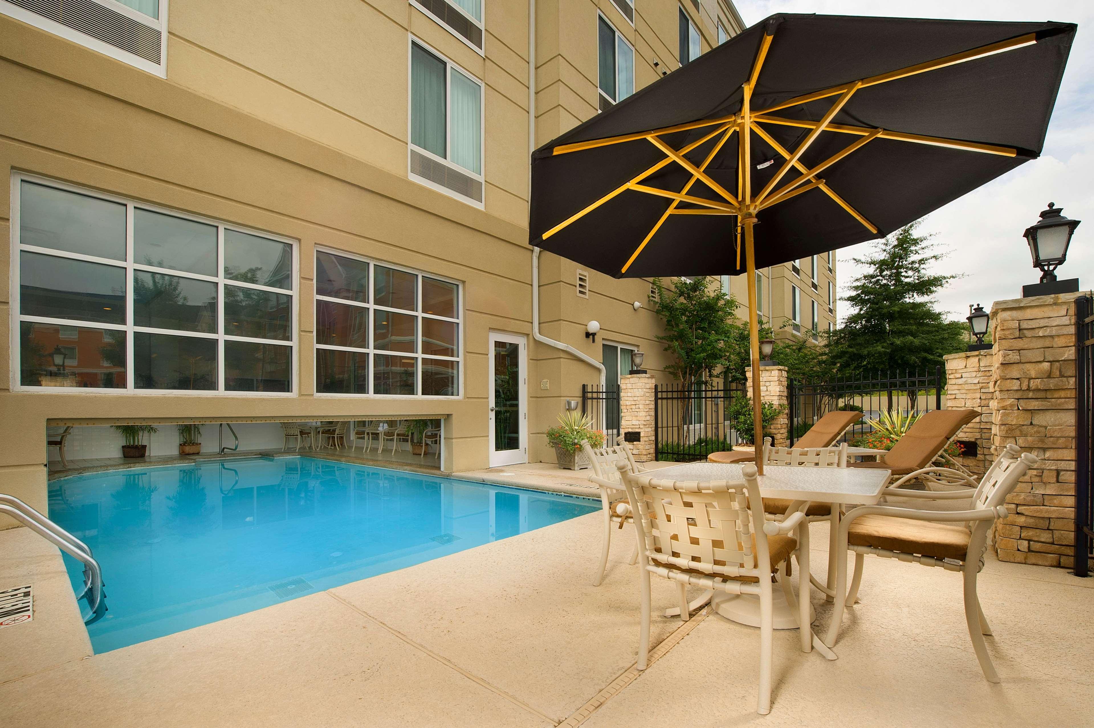 Hilton Garden Inn Atlanta NW/Kennesaw Town Center image 6