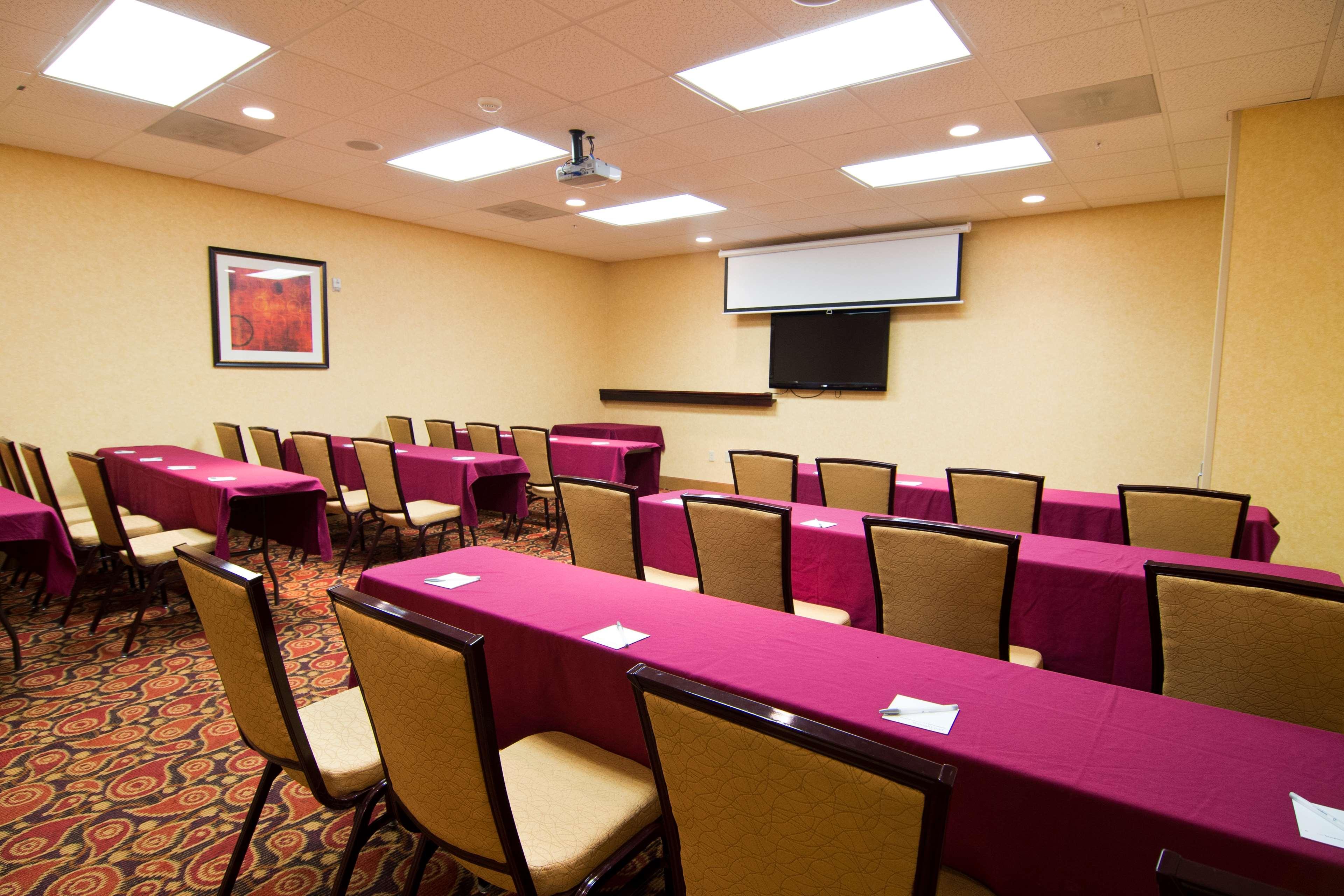 Hampton Inn & Suites Orlando Intl Dr N image 20