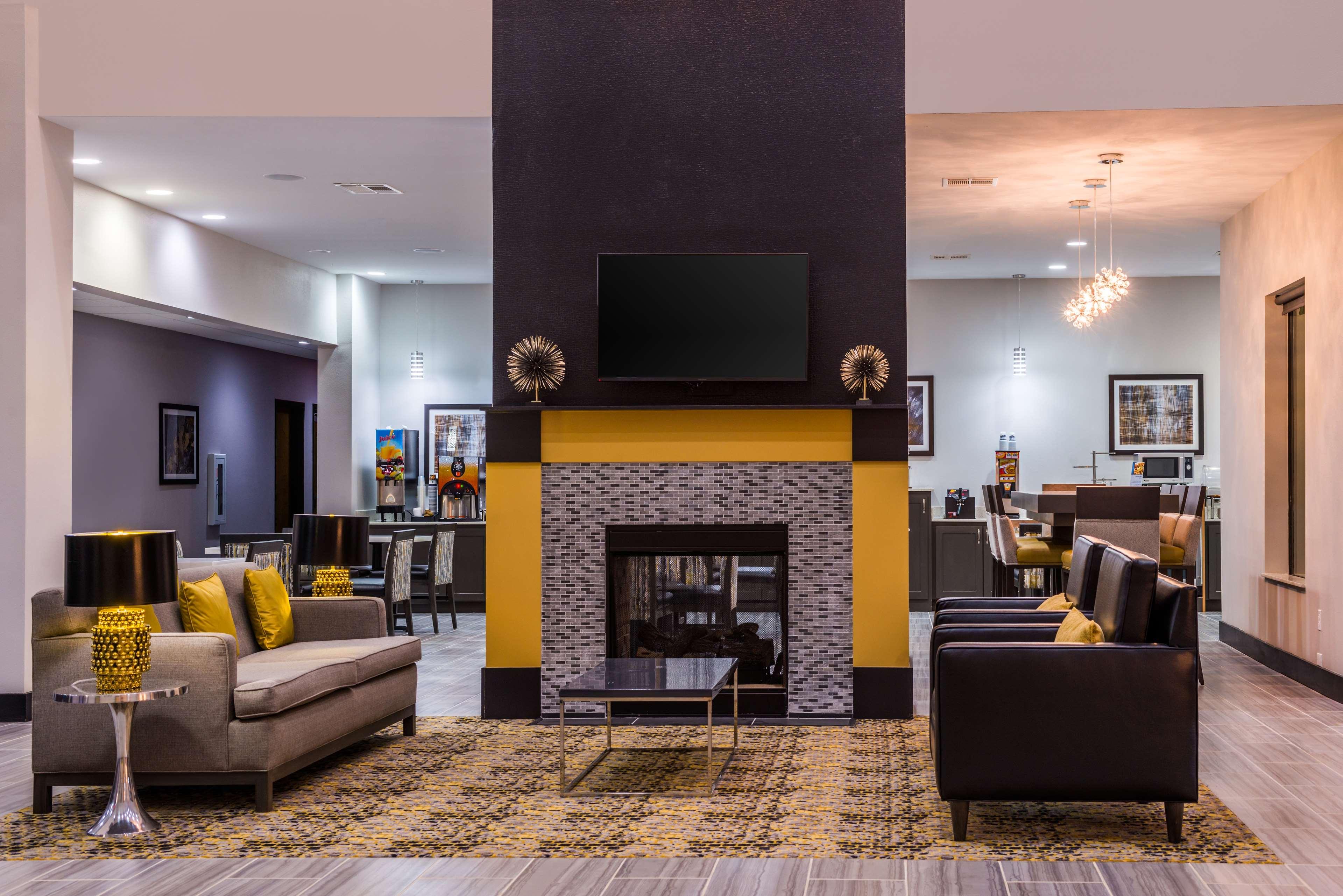 Best Western Plus Regency Park Hotel image 10