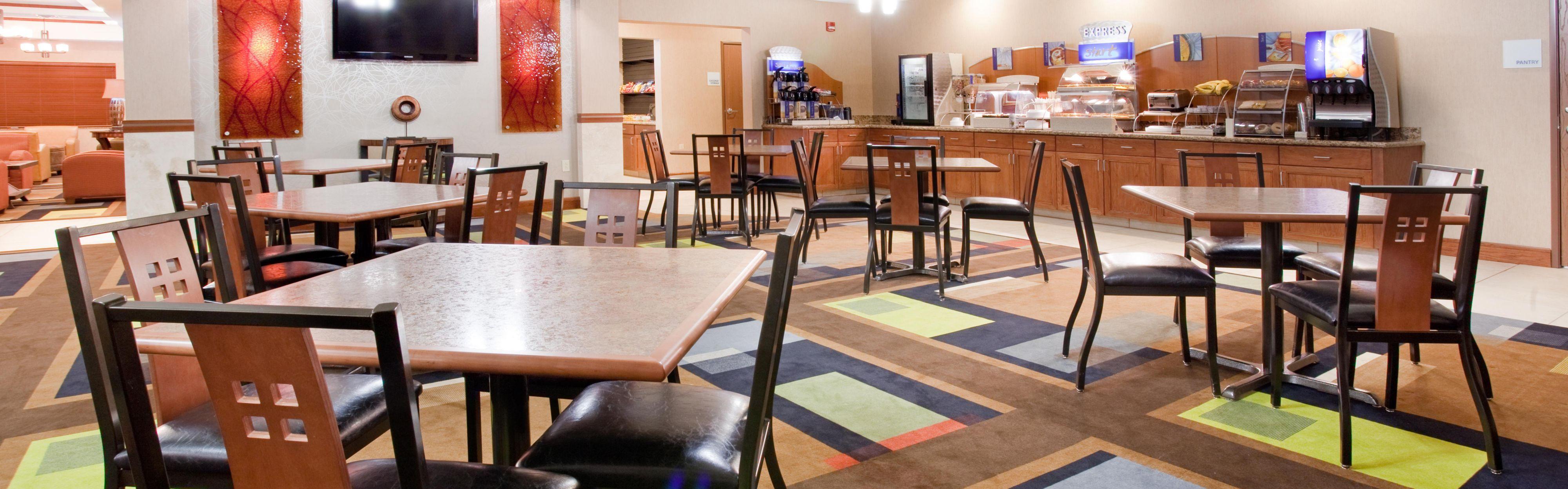 Holiday Inn Express & Suites Los Alamos Entrada Park image 3