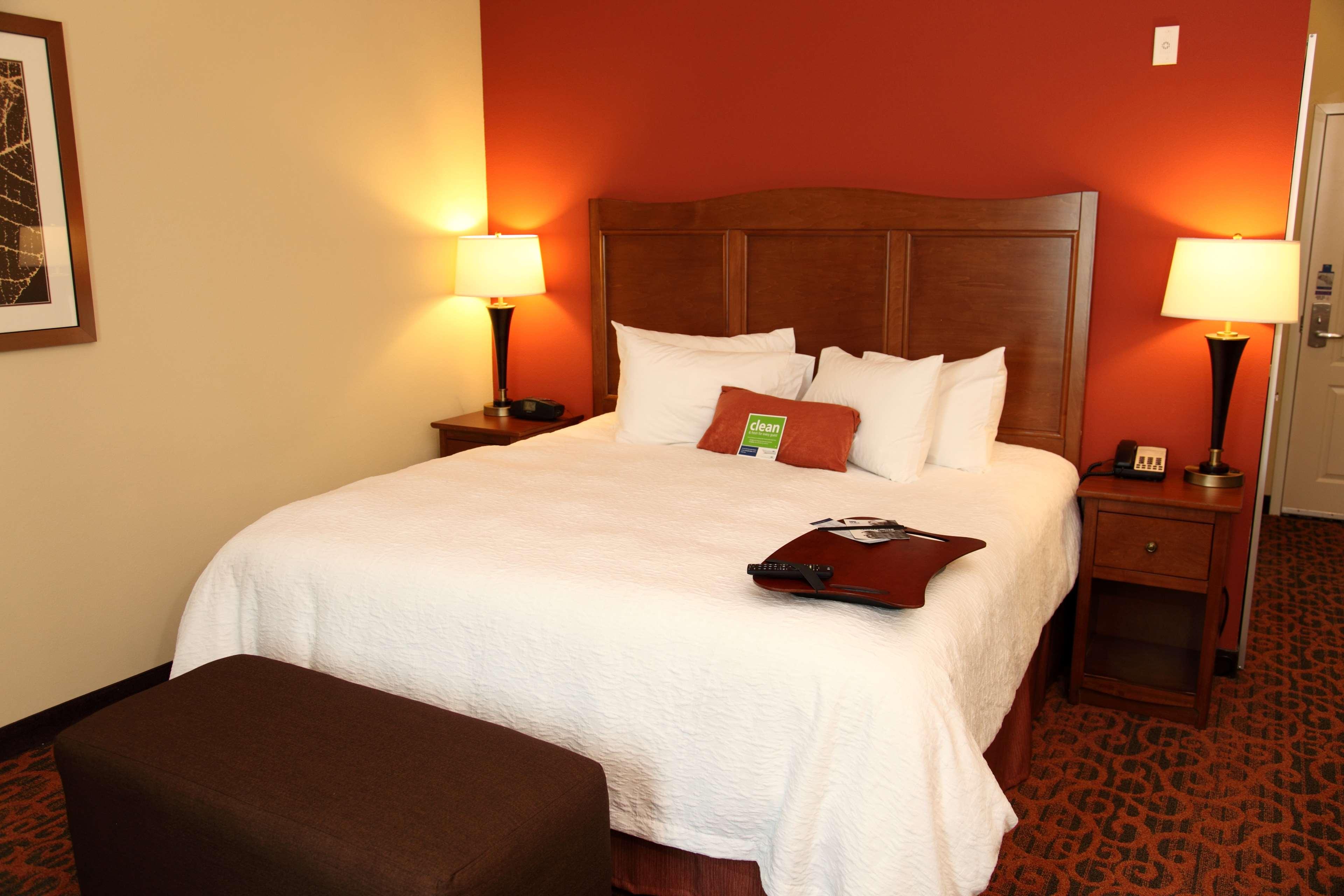 Hampton Inn & Suites Bastrop image 12
