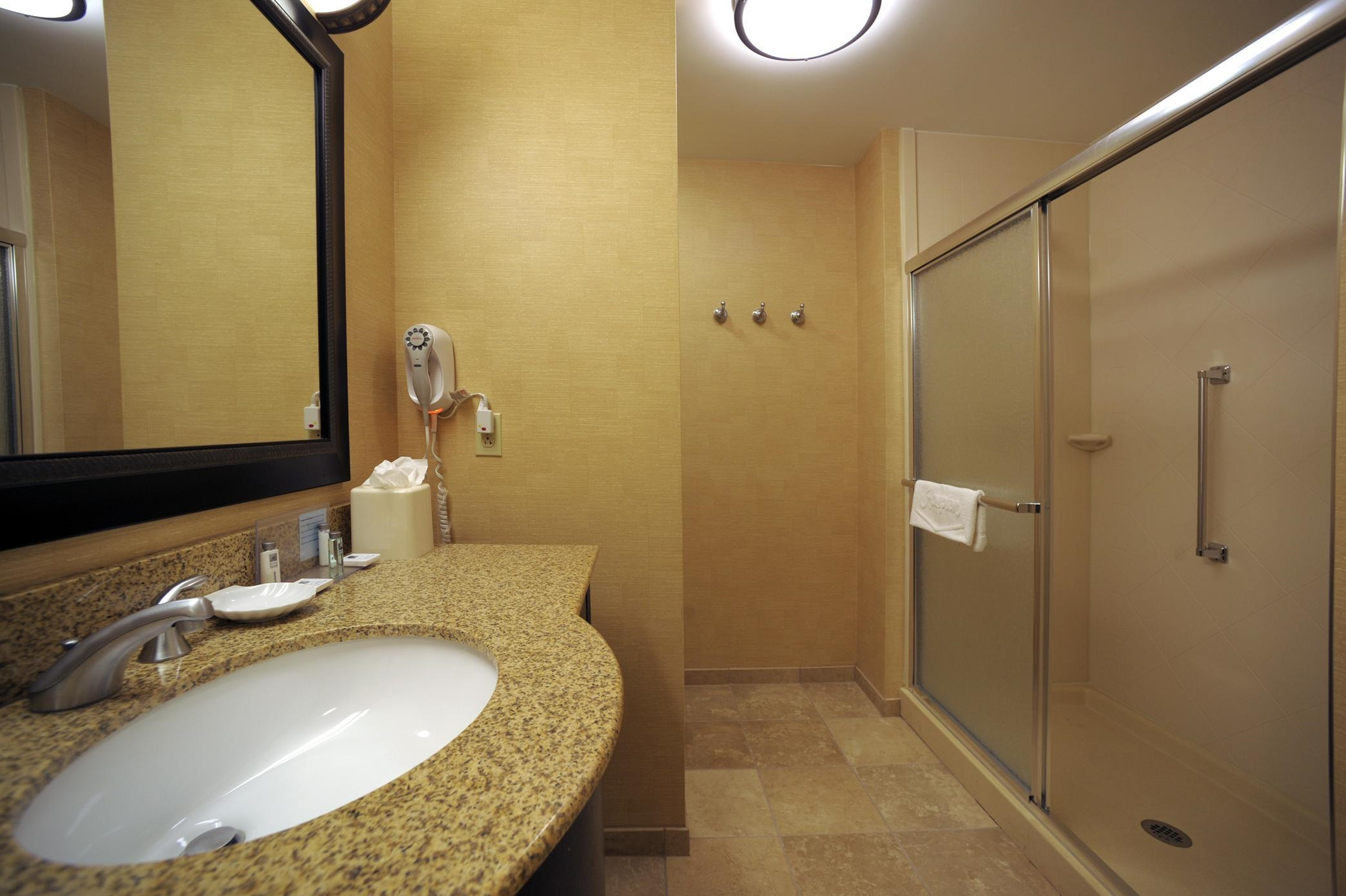 Hampton Inn & Suites Chadds Ford image 39