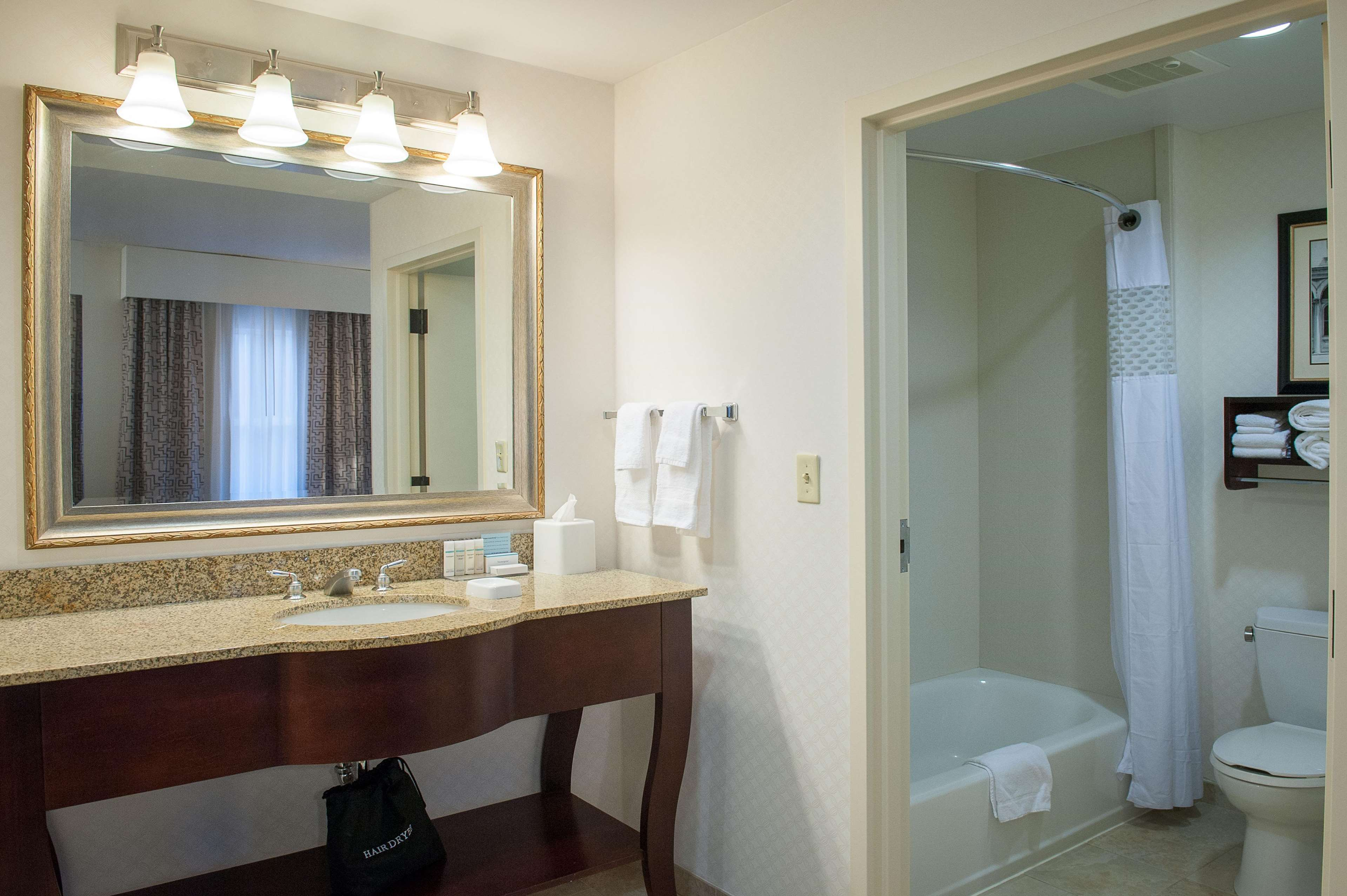 King Studio Suite Vanity