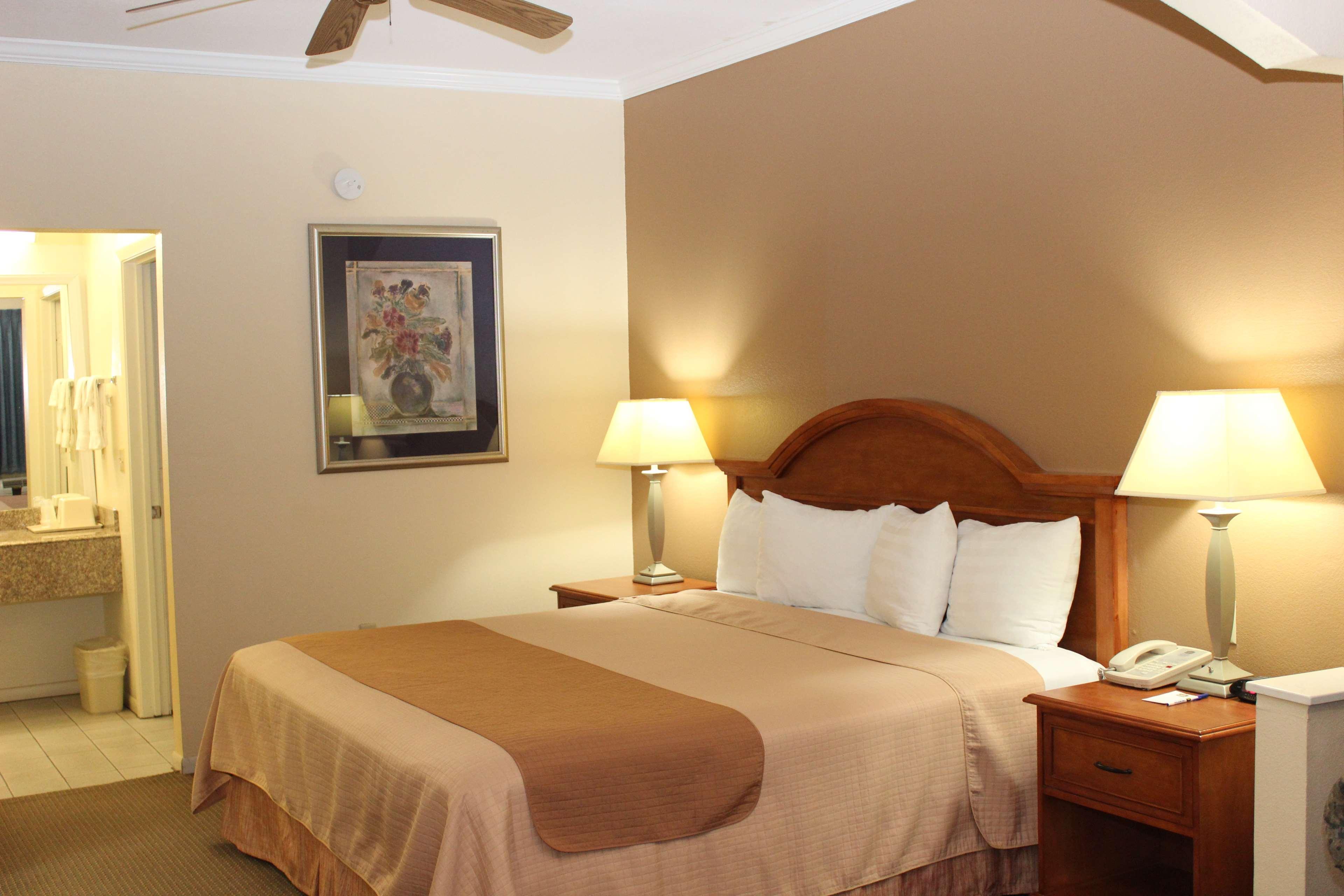 Best Western Inn of Navasota image 24