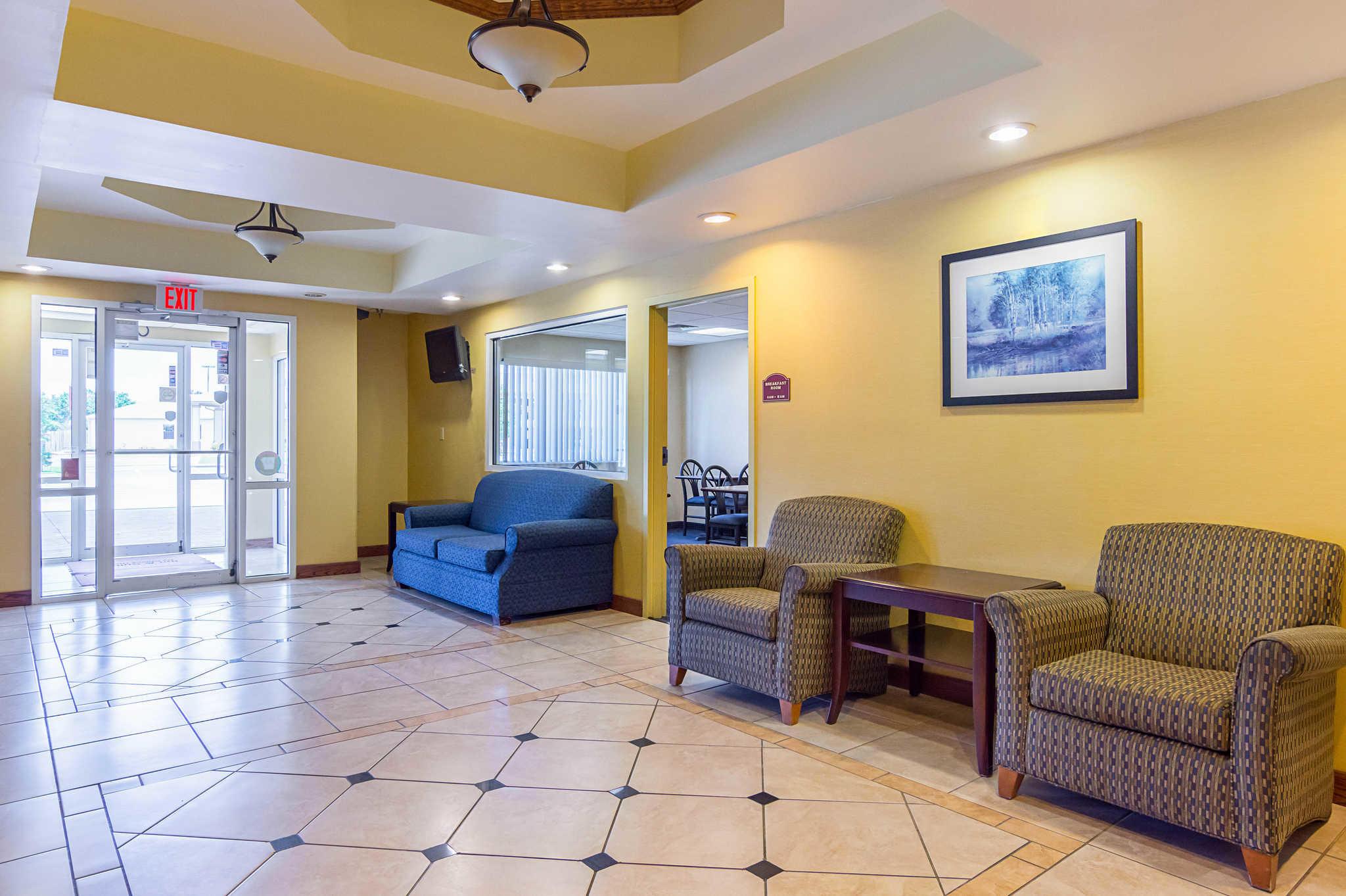 Econo Lodge Inn & Suites Pritchard Road North Little Rock image 22