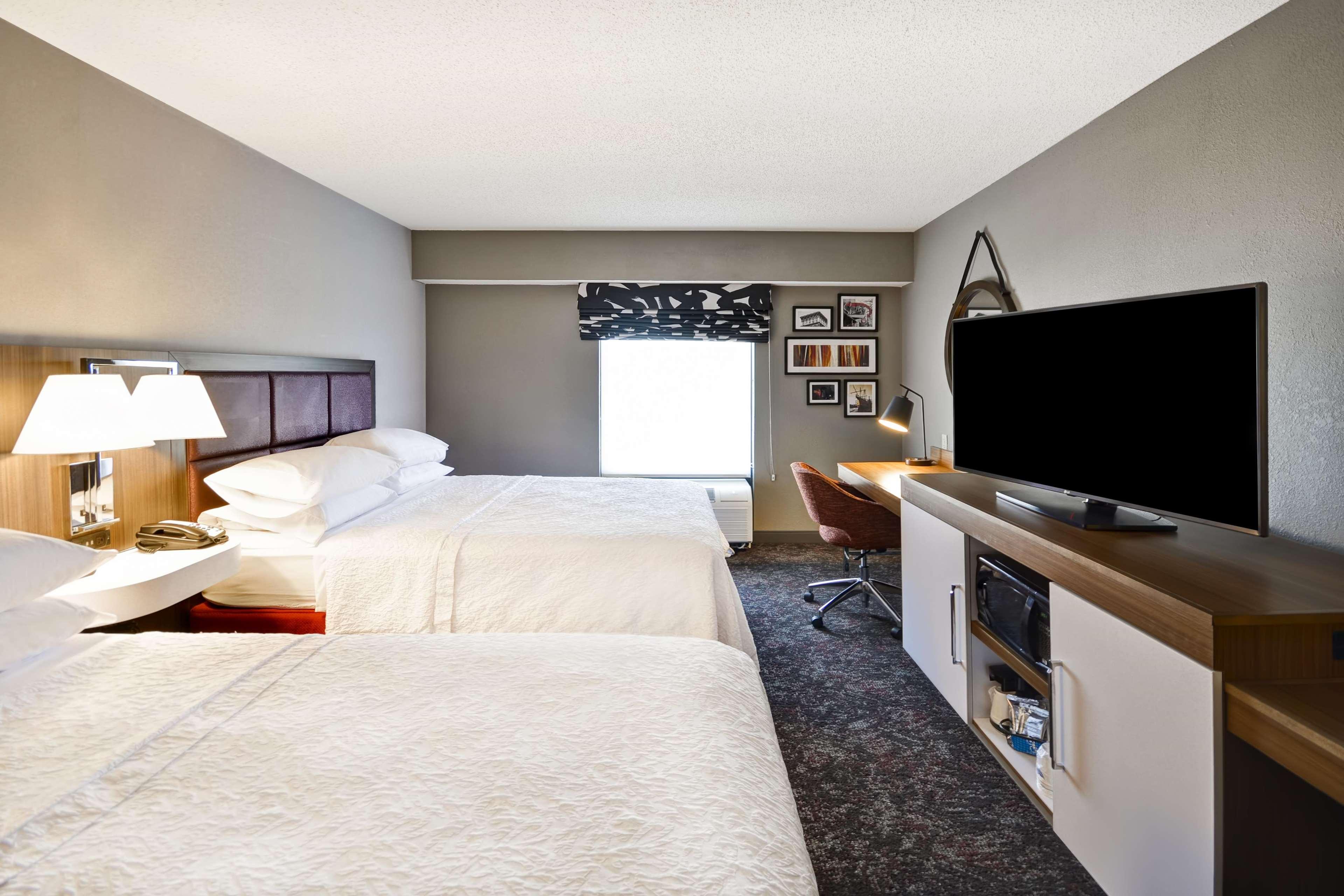 Hampton Inn & Suites Columbus-Easton Area image 46