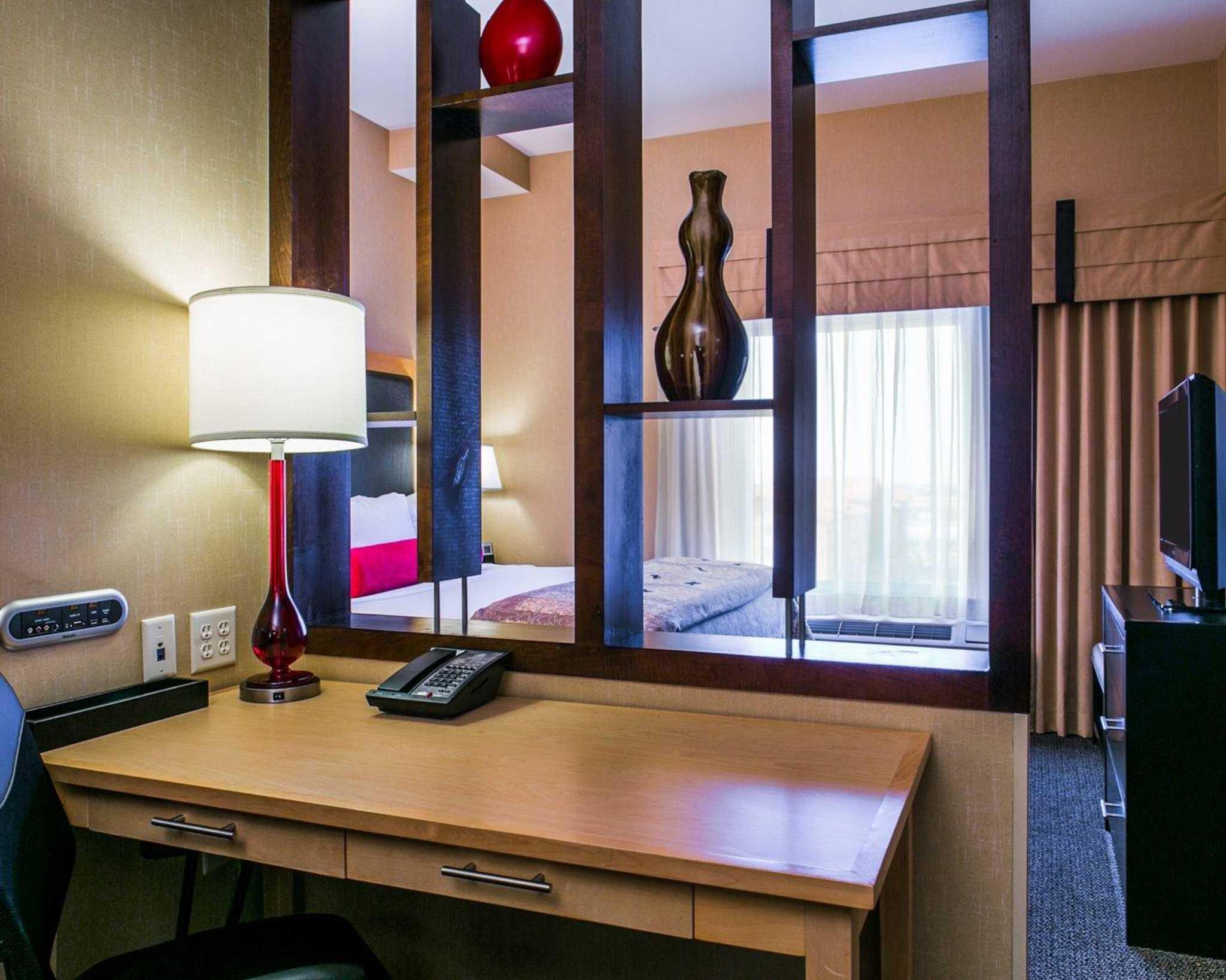 Cambria Hotel Denver International Airport image 3