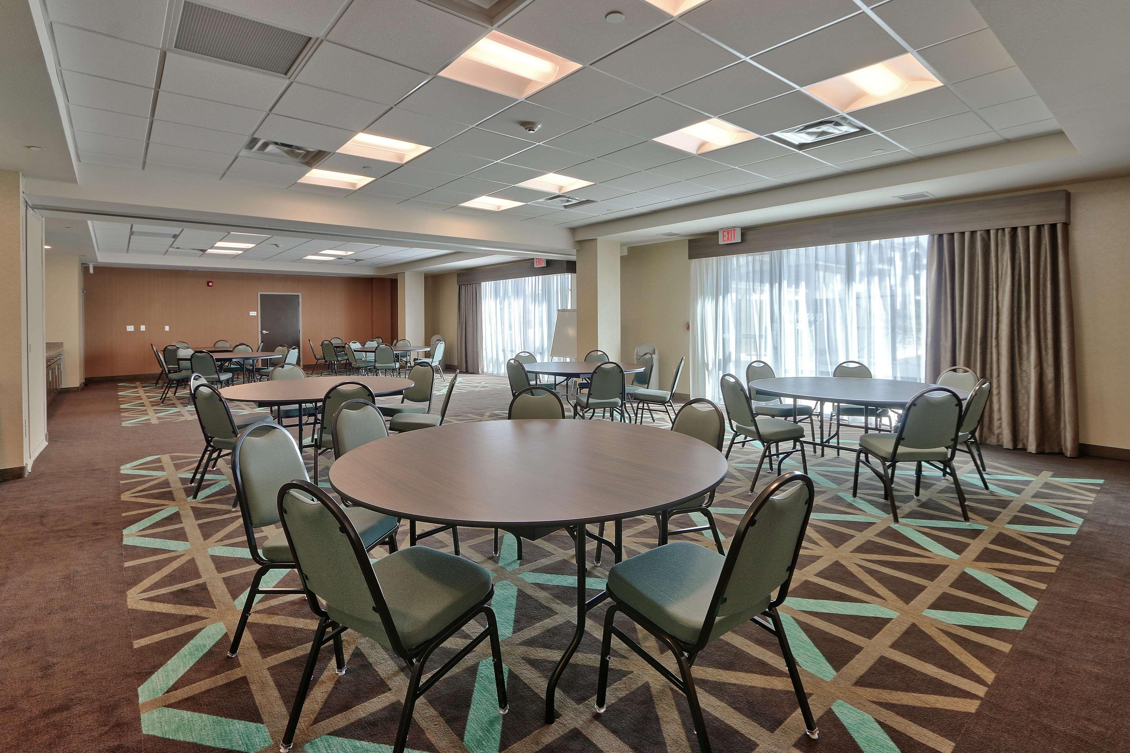 Hampton Inn & Suites Artesia image 26