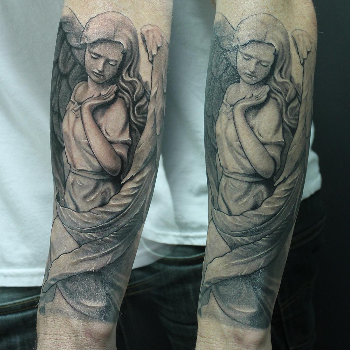Dark Horse Tattoo Company image 1