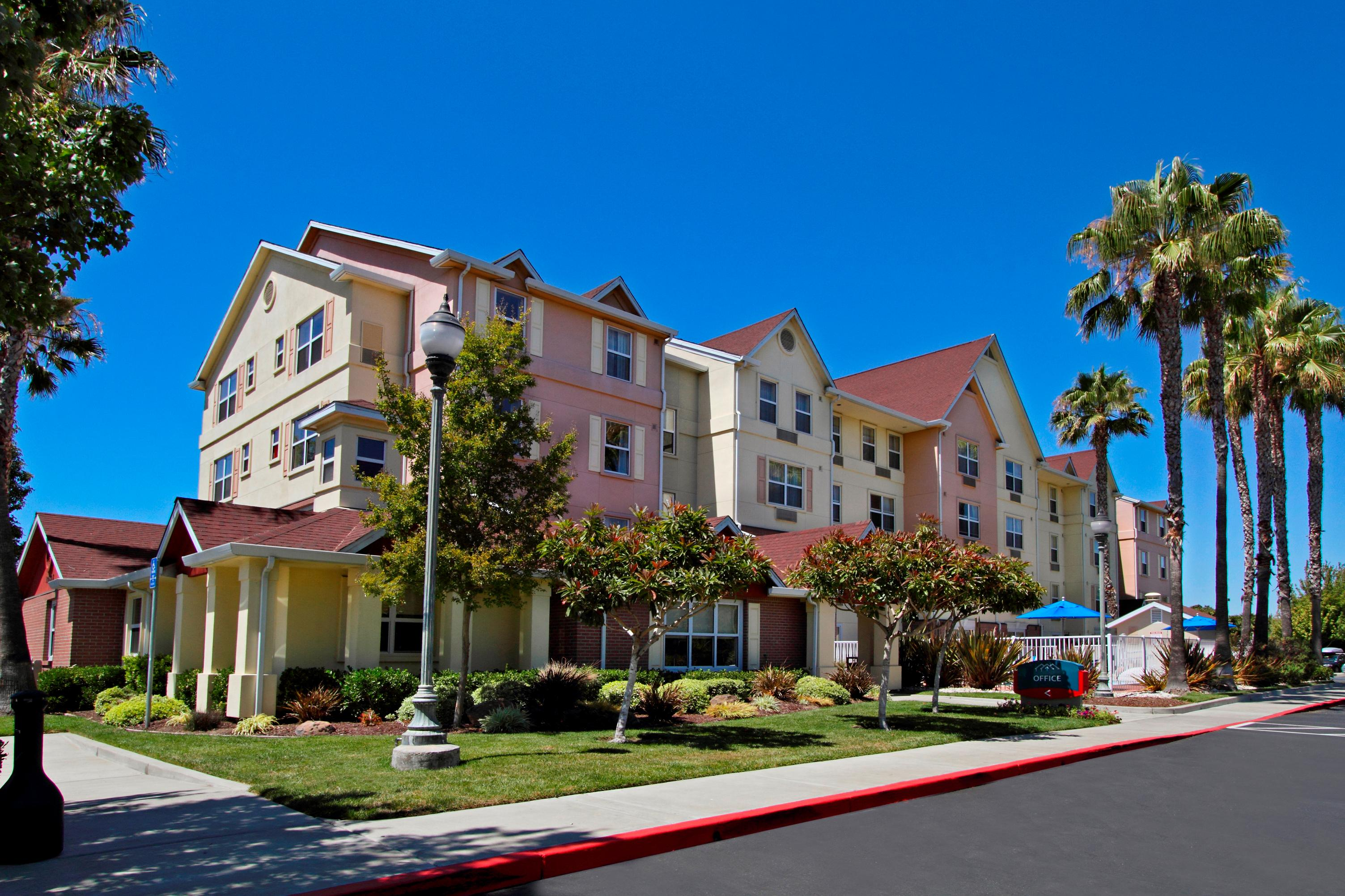 TownePlace Suites by Marriott Newark Silicon Valley image 0