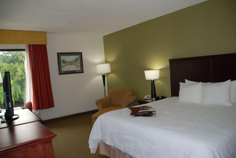 Hampton Inn Darien-I-95 image 8