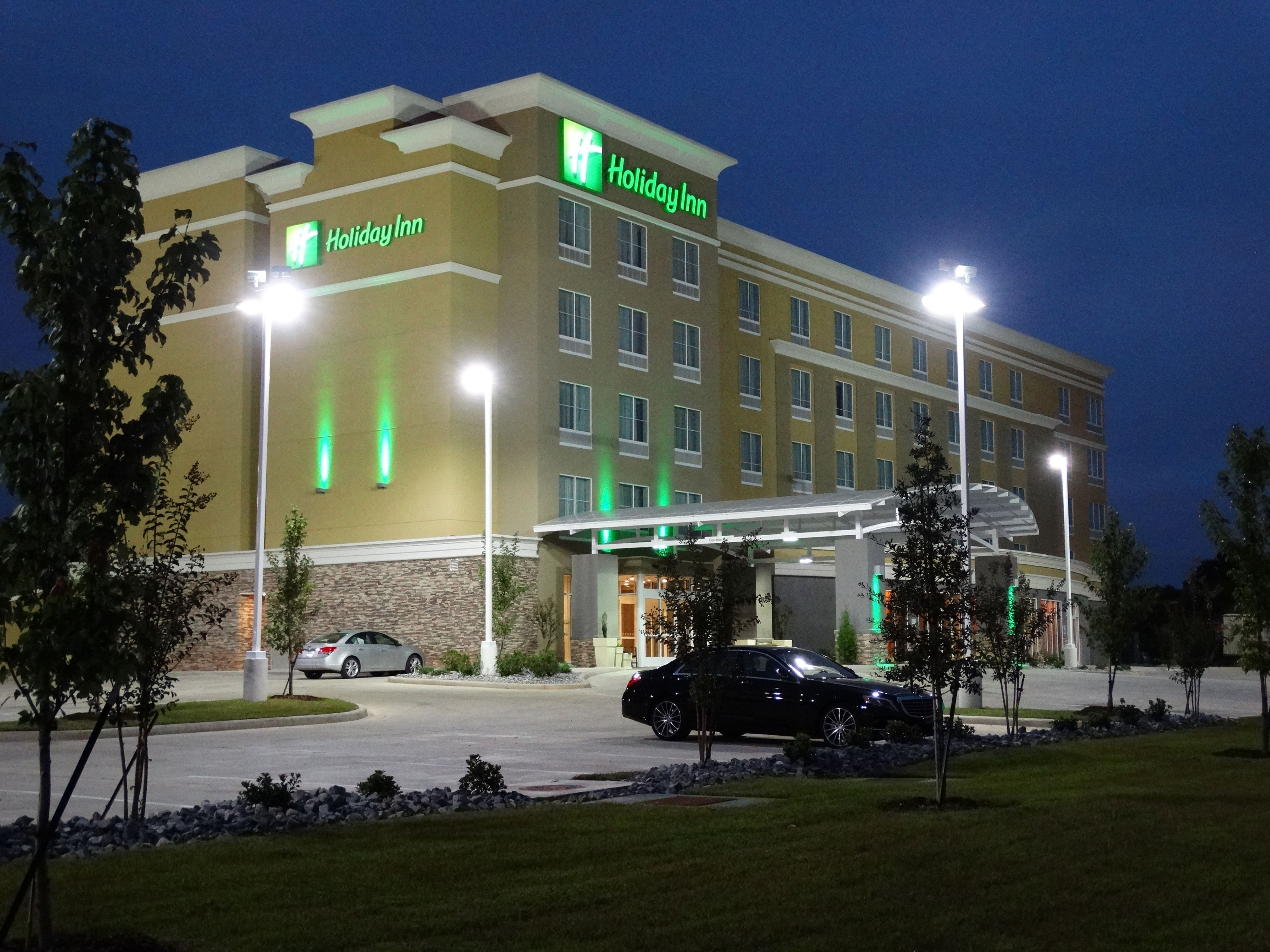 Holiday Inn Hotel & Suites Council Bluffs-I-29 image 2