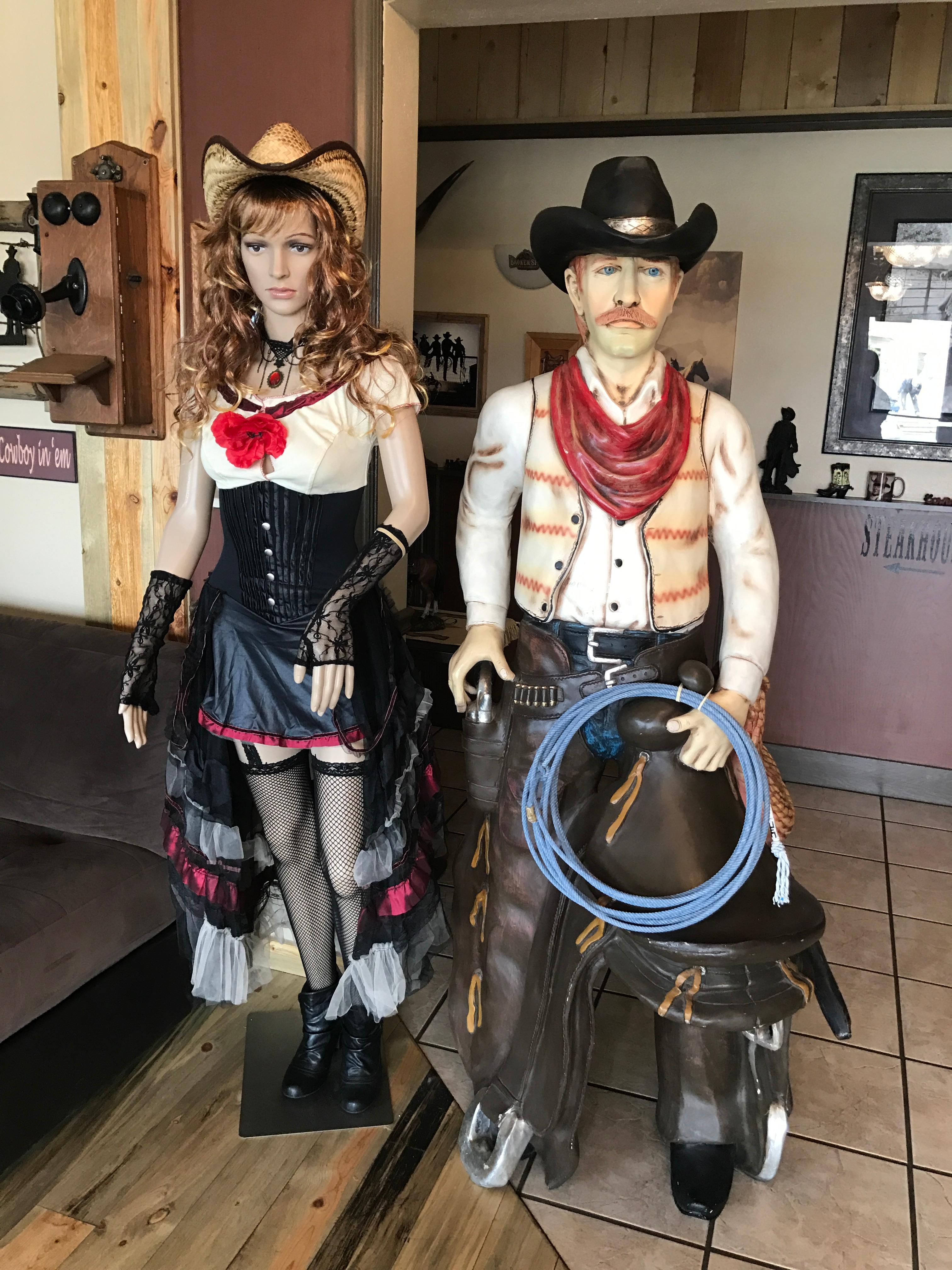 Broken Spur Inn & Steakhouse image 9
