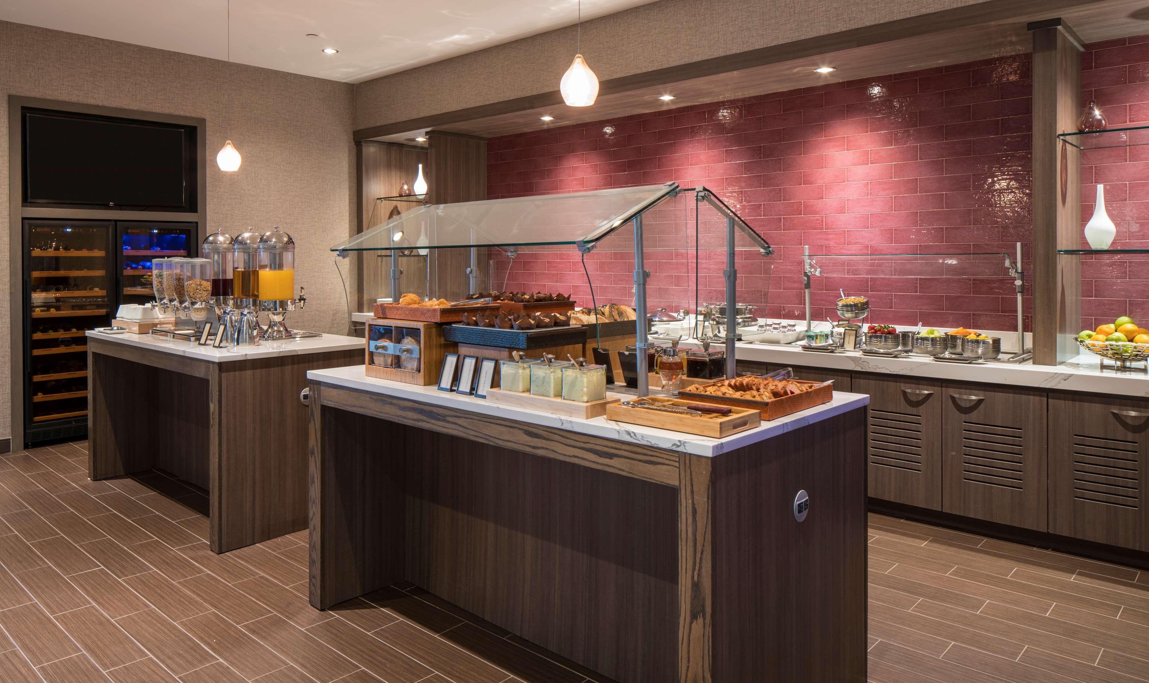 Hilton Washington DC/Rockville Hotel & Executive Meeting Ctr image 14