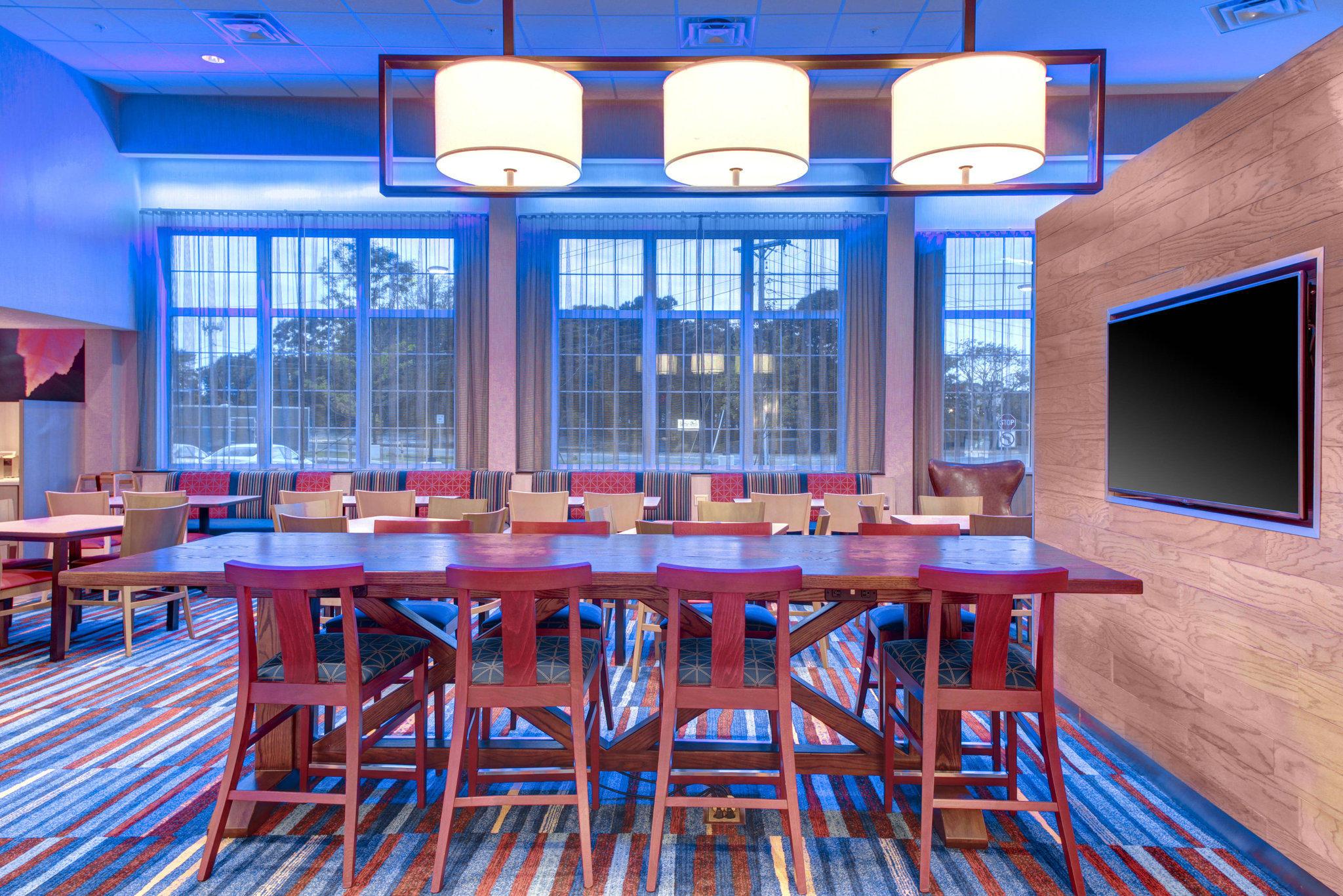 Fairfield Inn & Suites by Marriott Cape Cod Hyannis