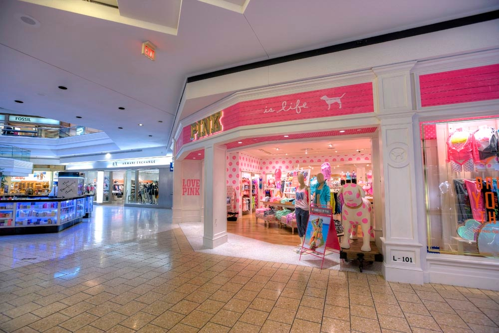 Woodfield Mall image 9