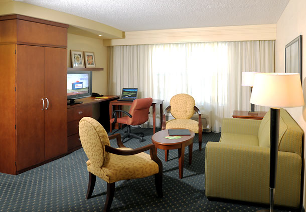 Courtyard by Marriott Hadley Amherst image 4