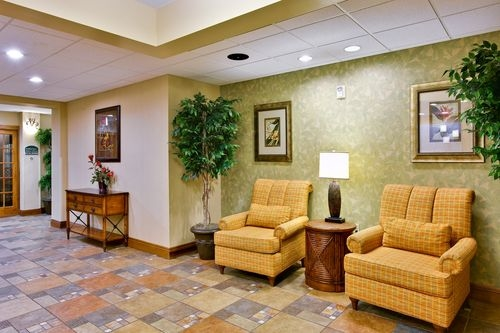 Holiday Inn Express & Suites Daphne-Spanish Fort Area image 3