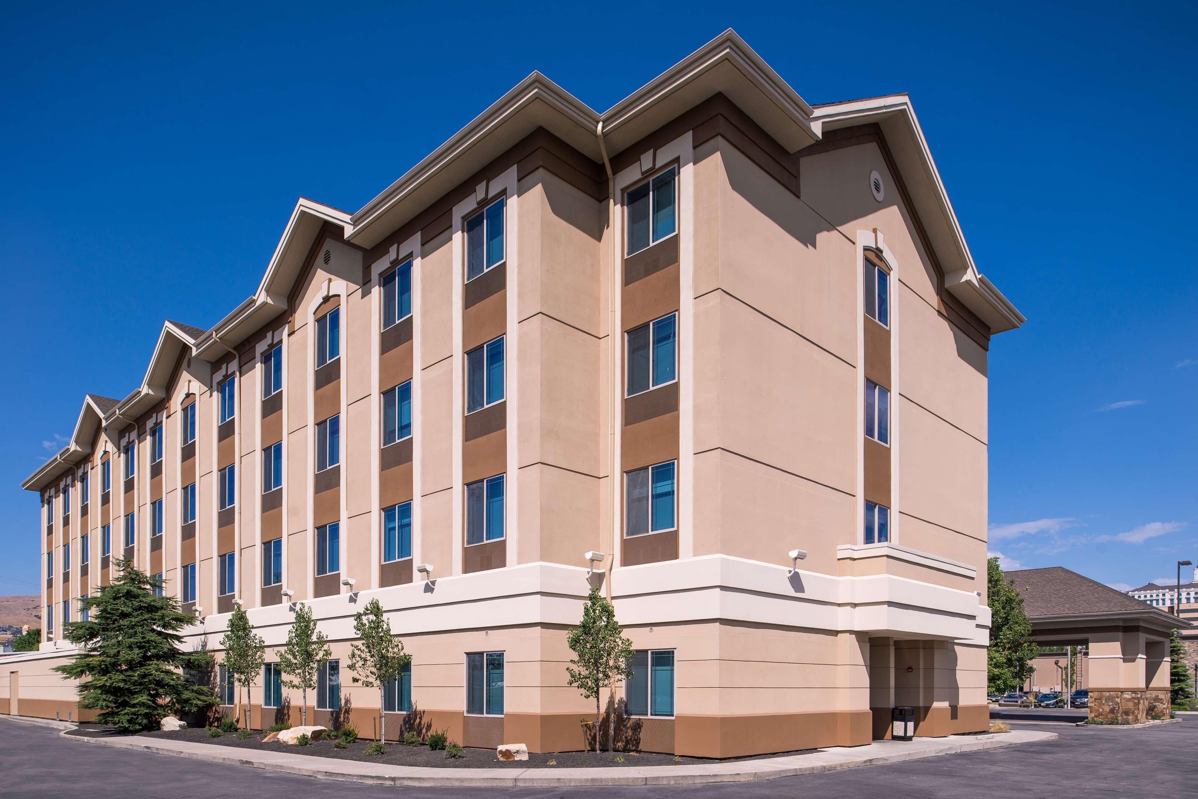 Hilton Garden Inn Salt Lake City Downtown image 0