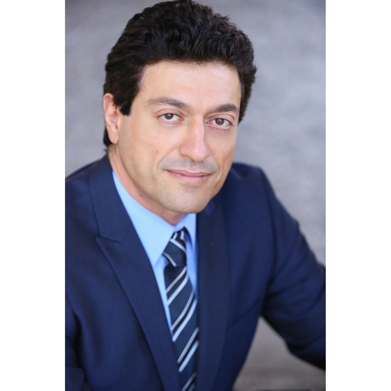 Robert Hakim- Traffic Attorney | Criminal | Accidents