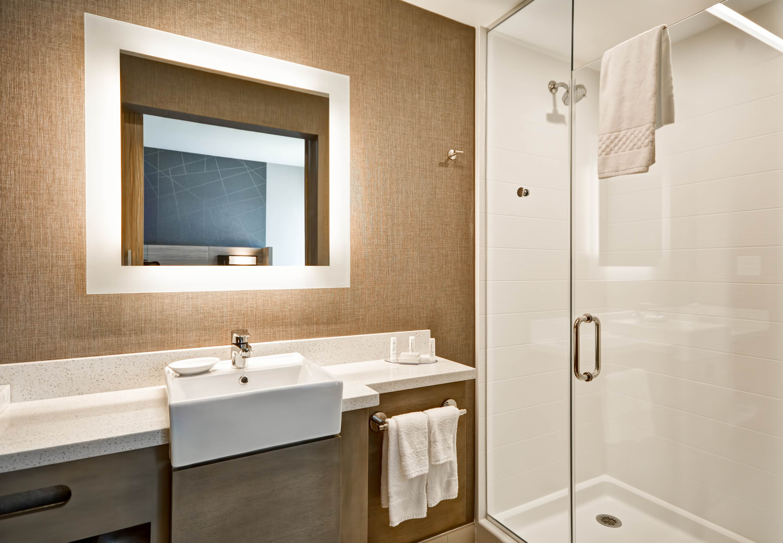 SpringHill Suites by Marriott Cincinnati Blue Ash image 18