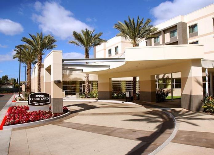 Courtyard by Marriott Santa Ana Orange County image 1