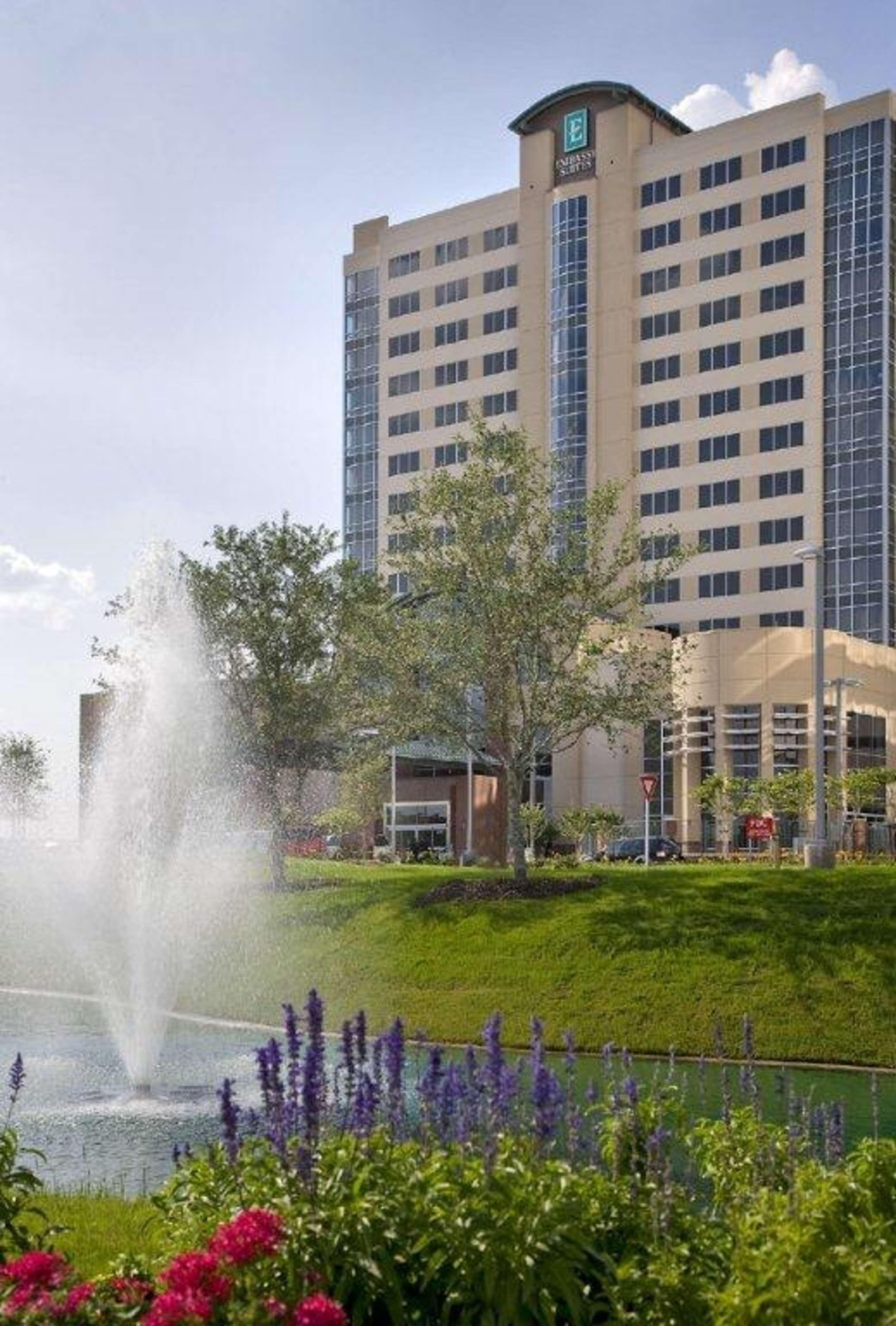 Embassy Suites by Hilton Houston Energy Corridor image 3