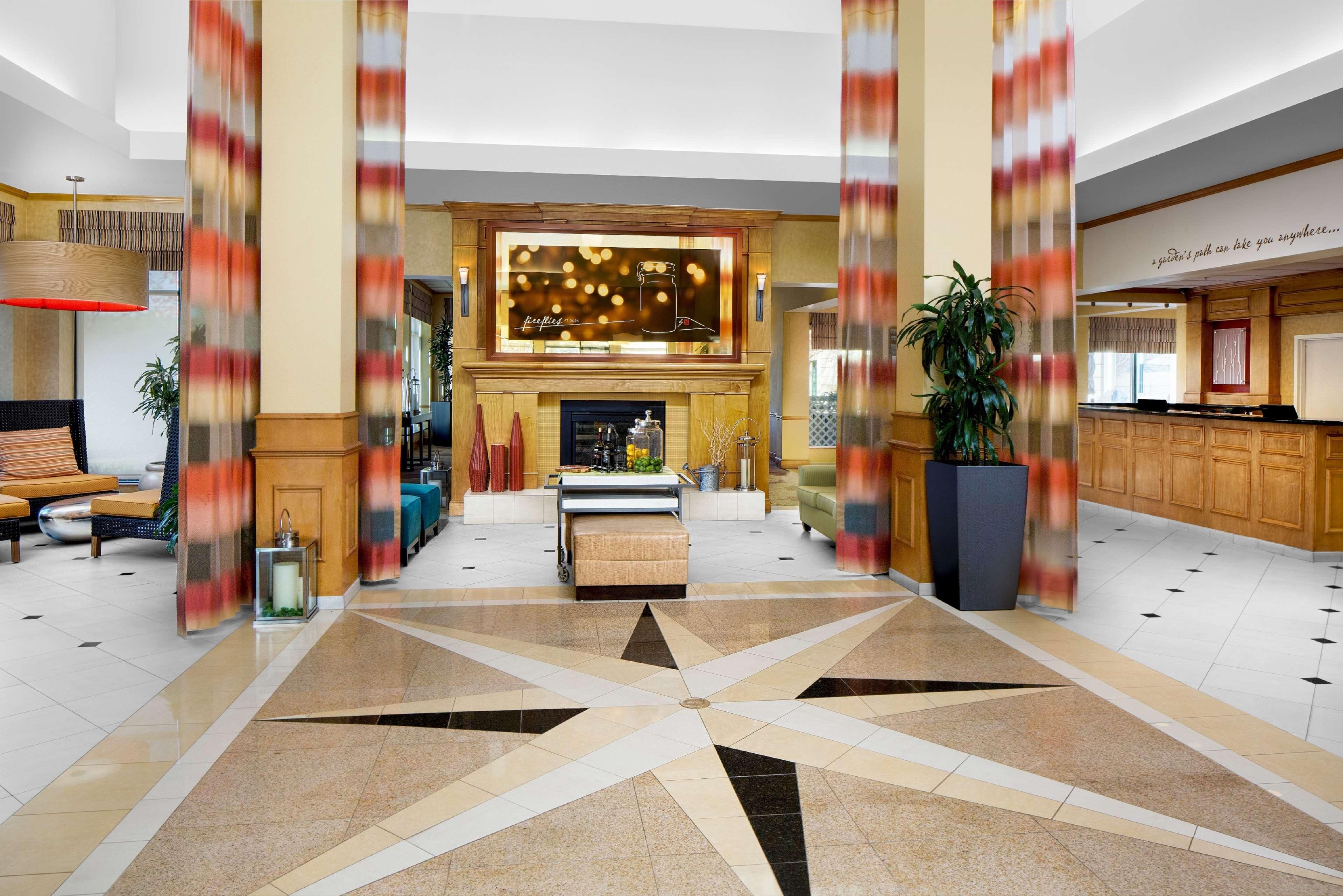 Hilton Garden Inn Atlanta Airport/Millenium Center image 5