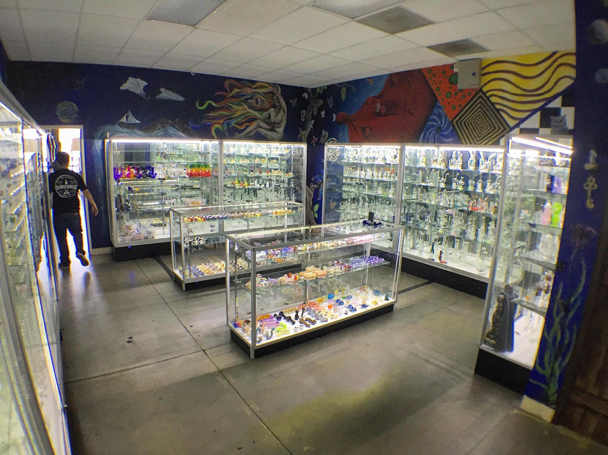 BakeBros Smoke Shop image 4