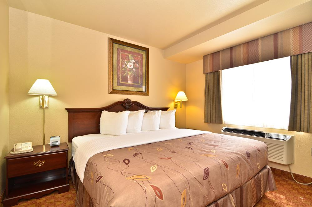 Best Western Fallon Inn & Suites image 37