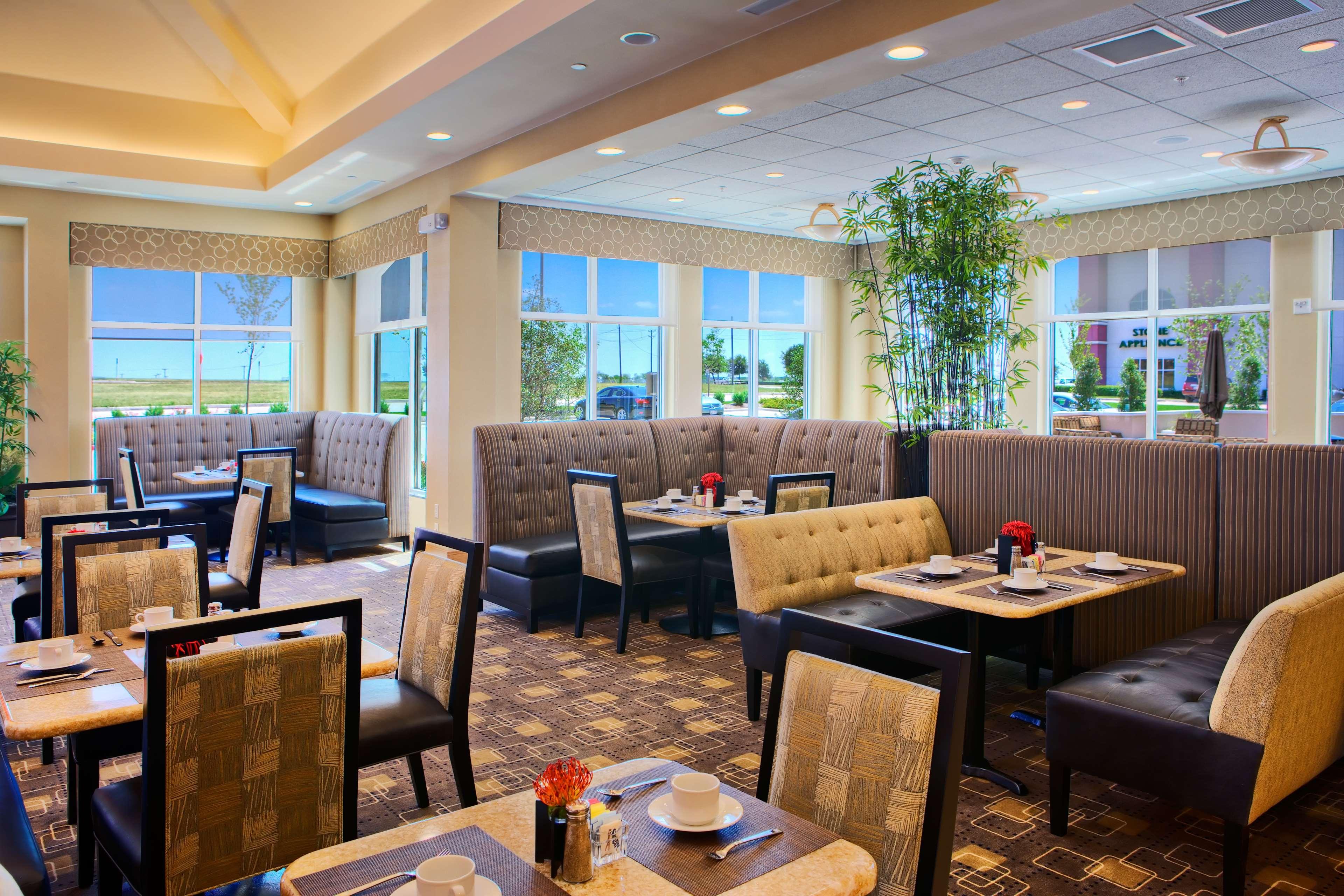 Hilton Garden Inn DFW North Grapevine image 11