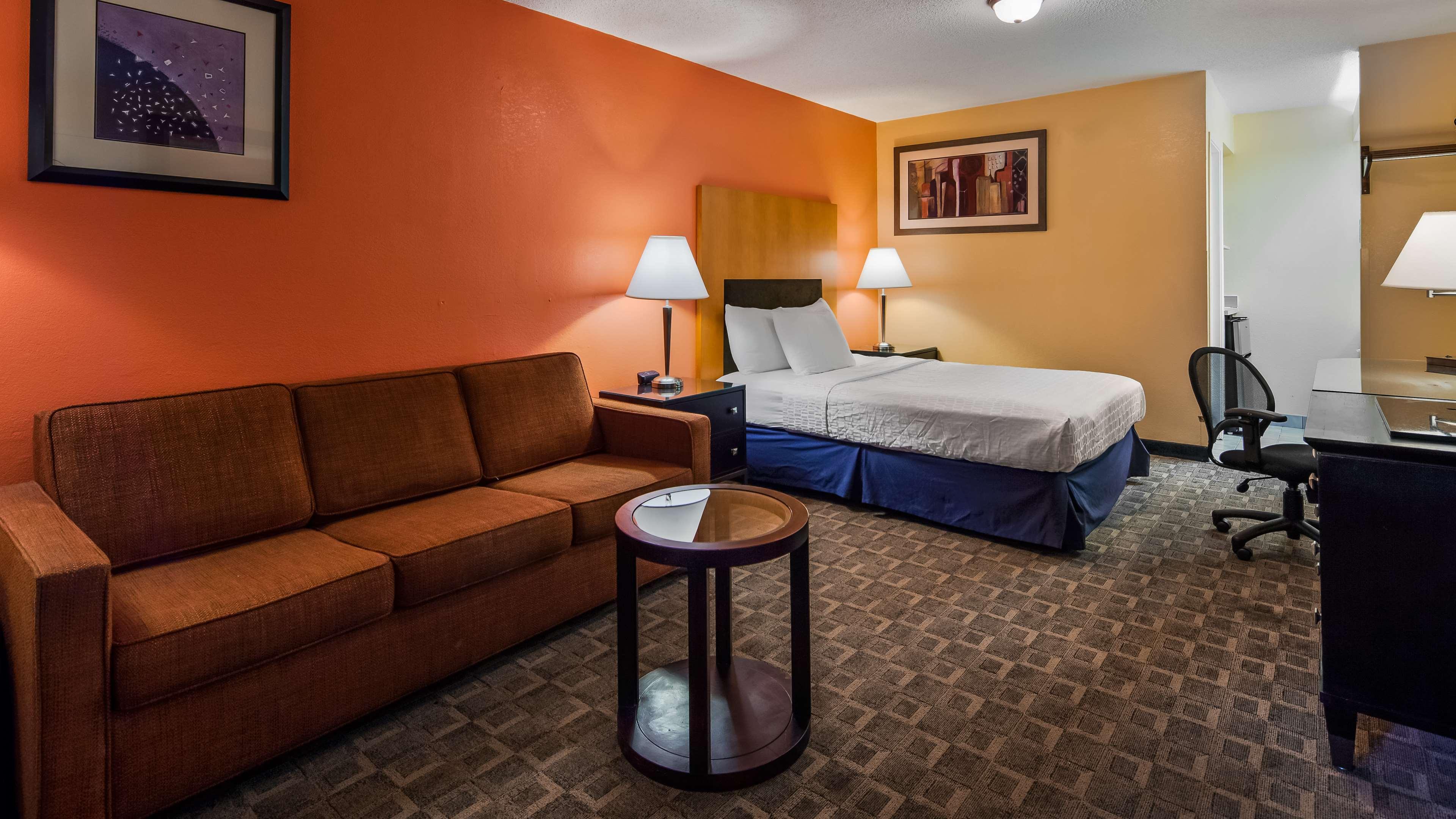 SureStay Plus Hotel by Best Western Fayetteville image 10