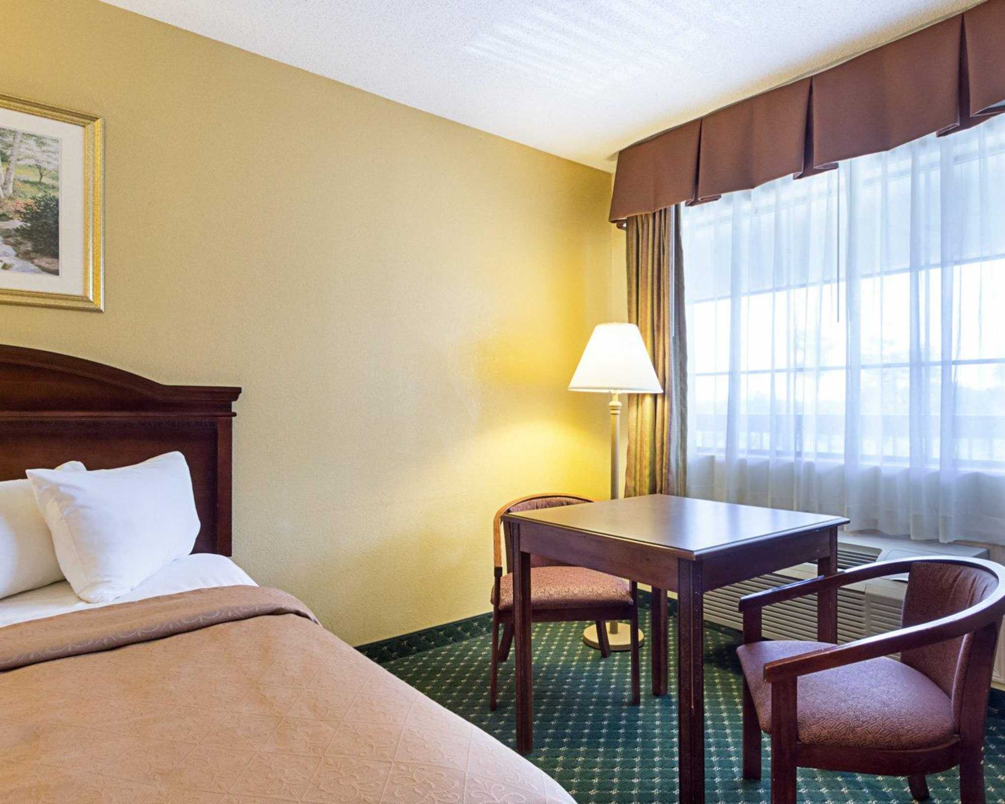 Quality Inn & Suites Southwest image 7