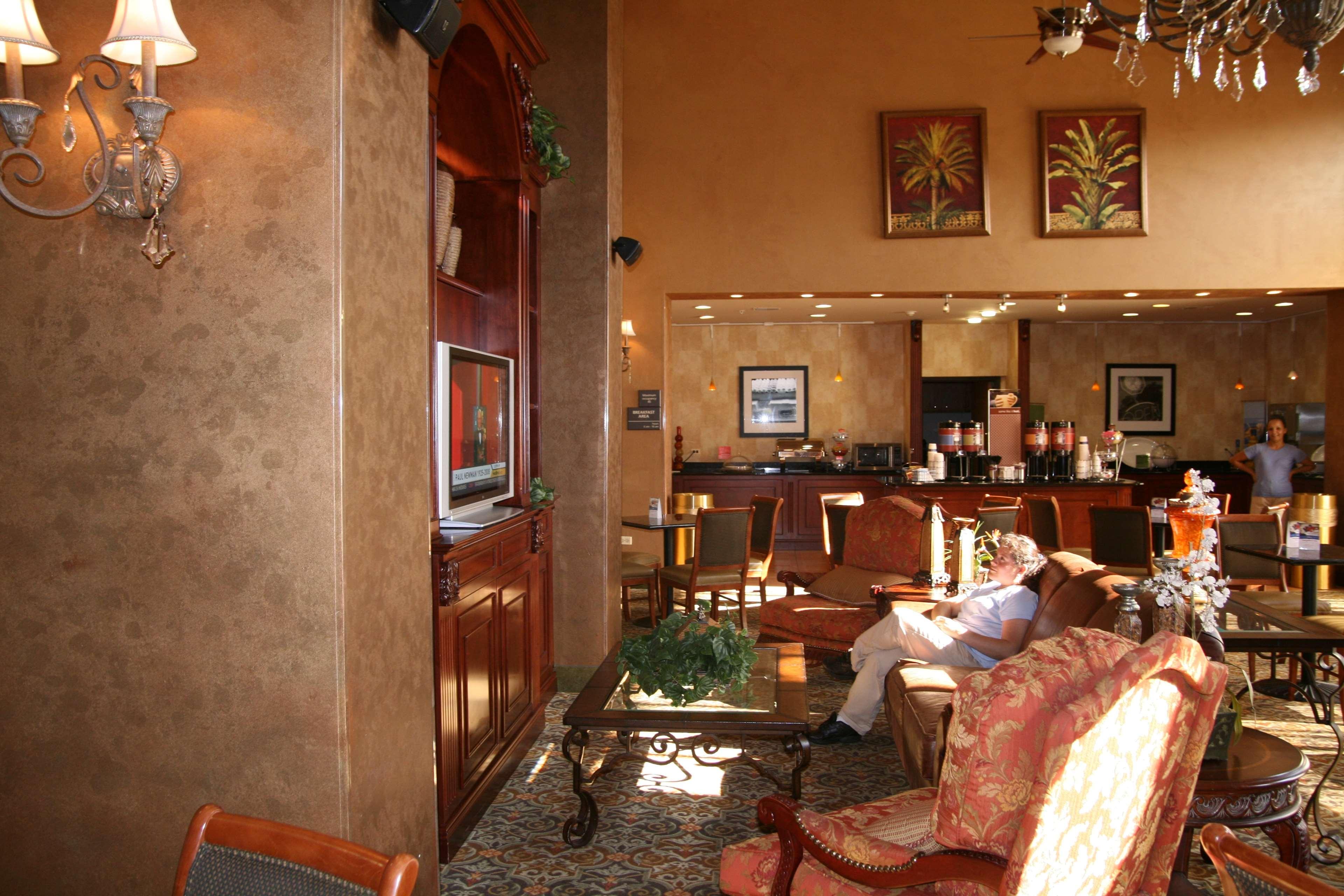 Hampton Inn & Suites Bolingbrook image 3
