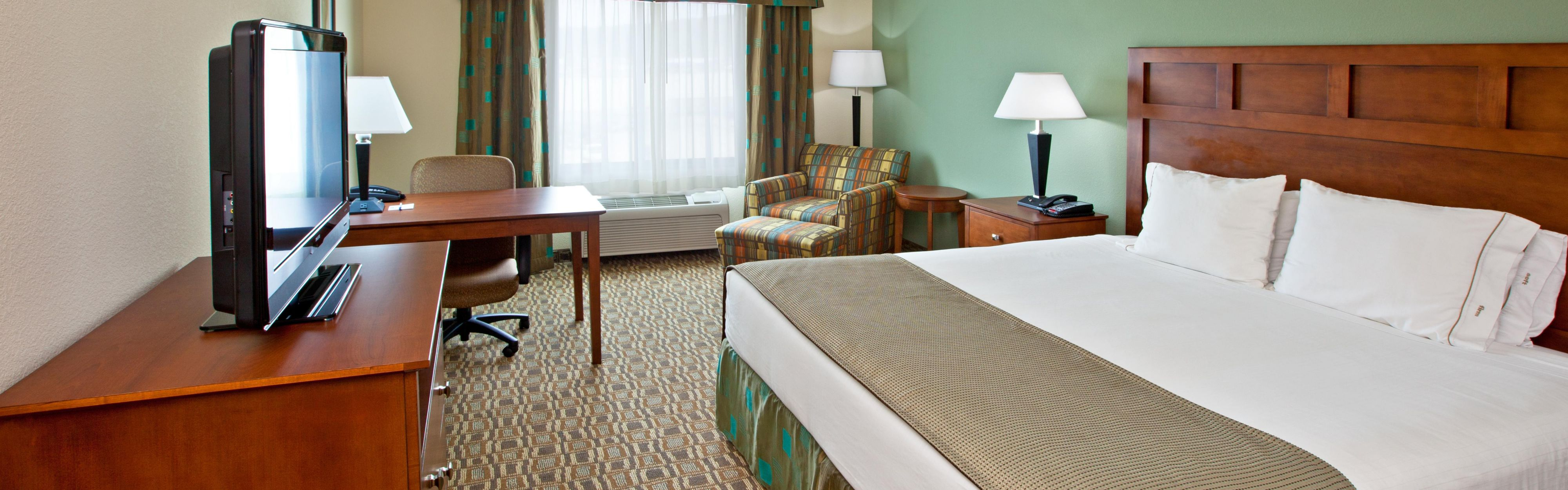 Holiday Inn Express & Suites Ripley image 1