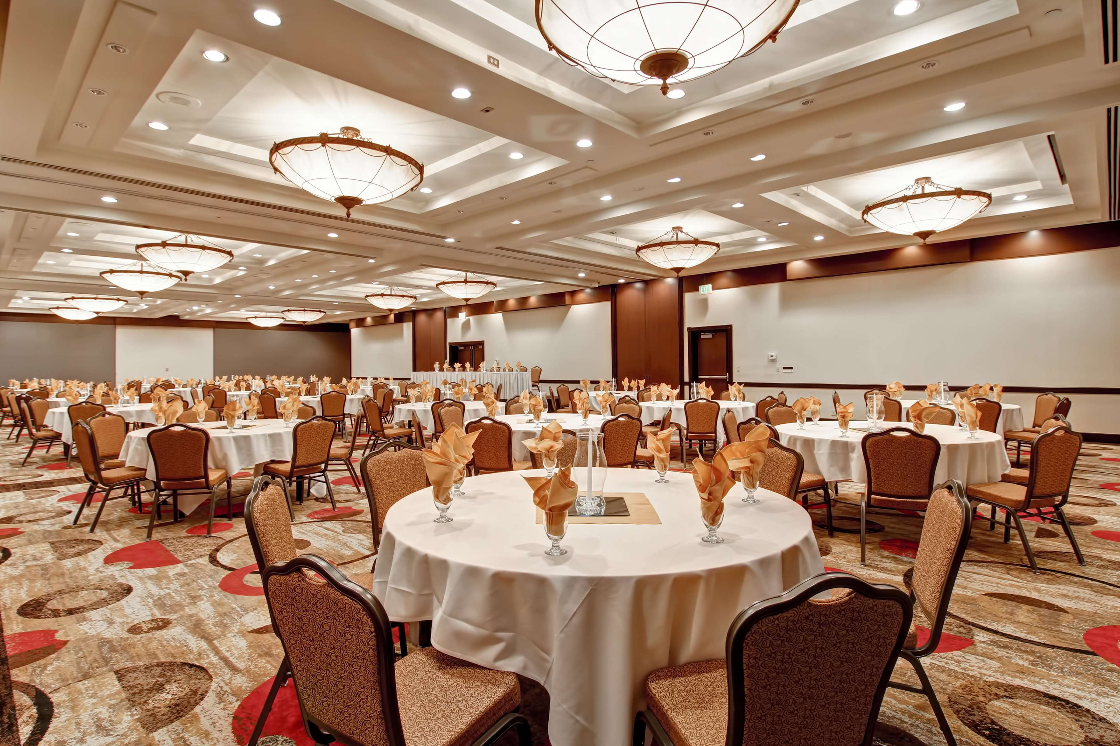 DoubleTree by Hilton Hotel Pleasanton at the Club image 42