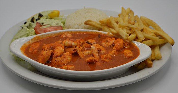 El Pelicano Restaurant & Lounge image 8
