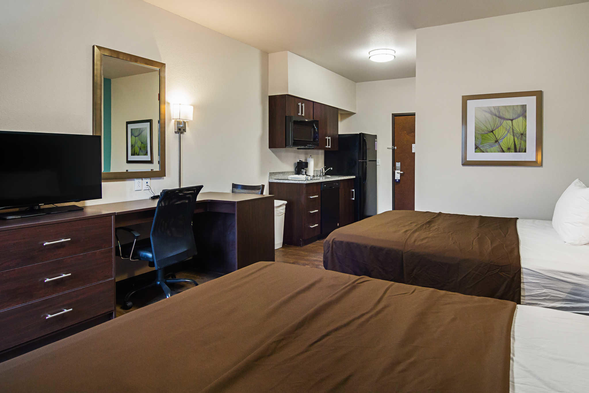 Suburban Extended Stay Hotel image 38